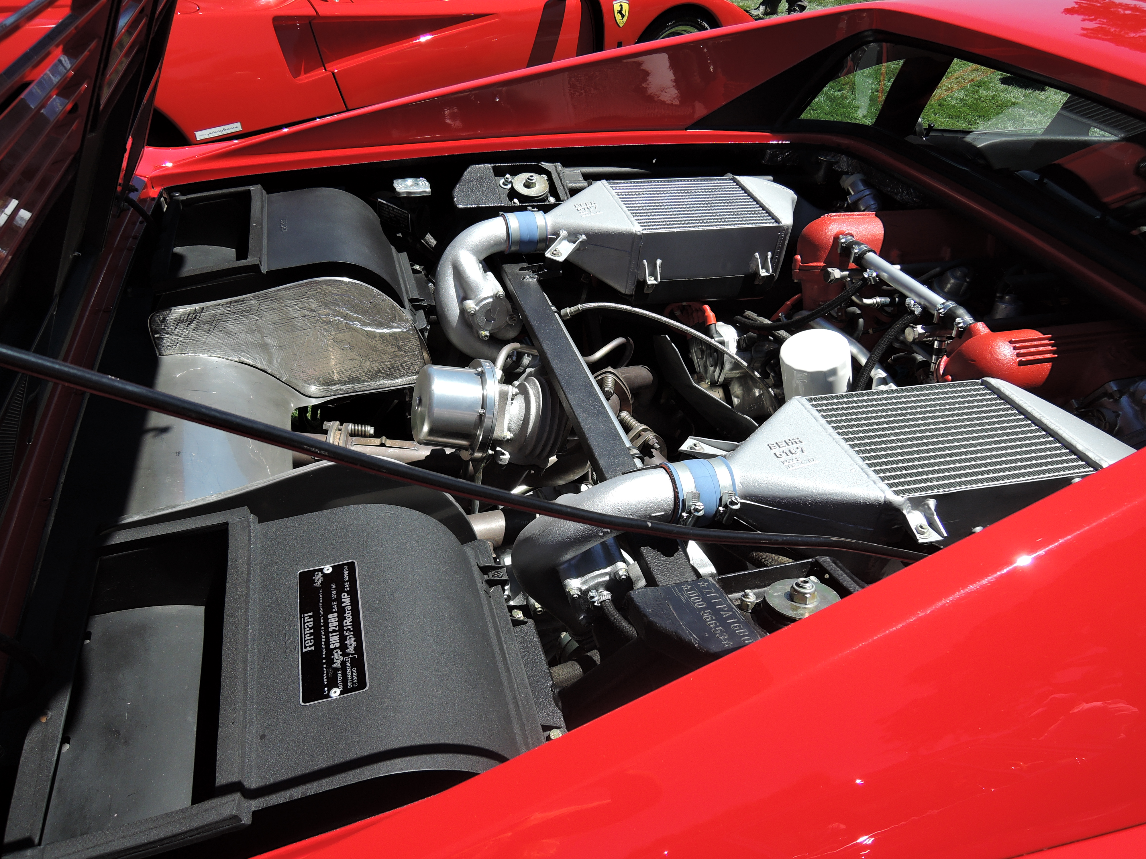 engine 1985 Ferrari 288 GTO Supercar - the quail