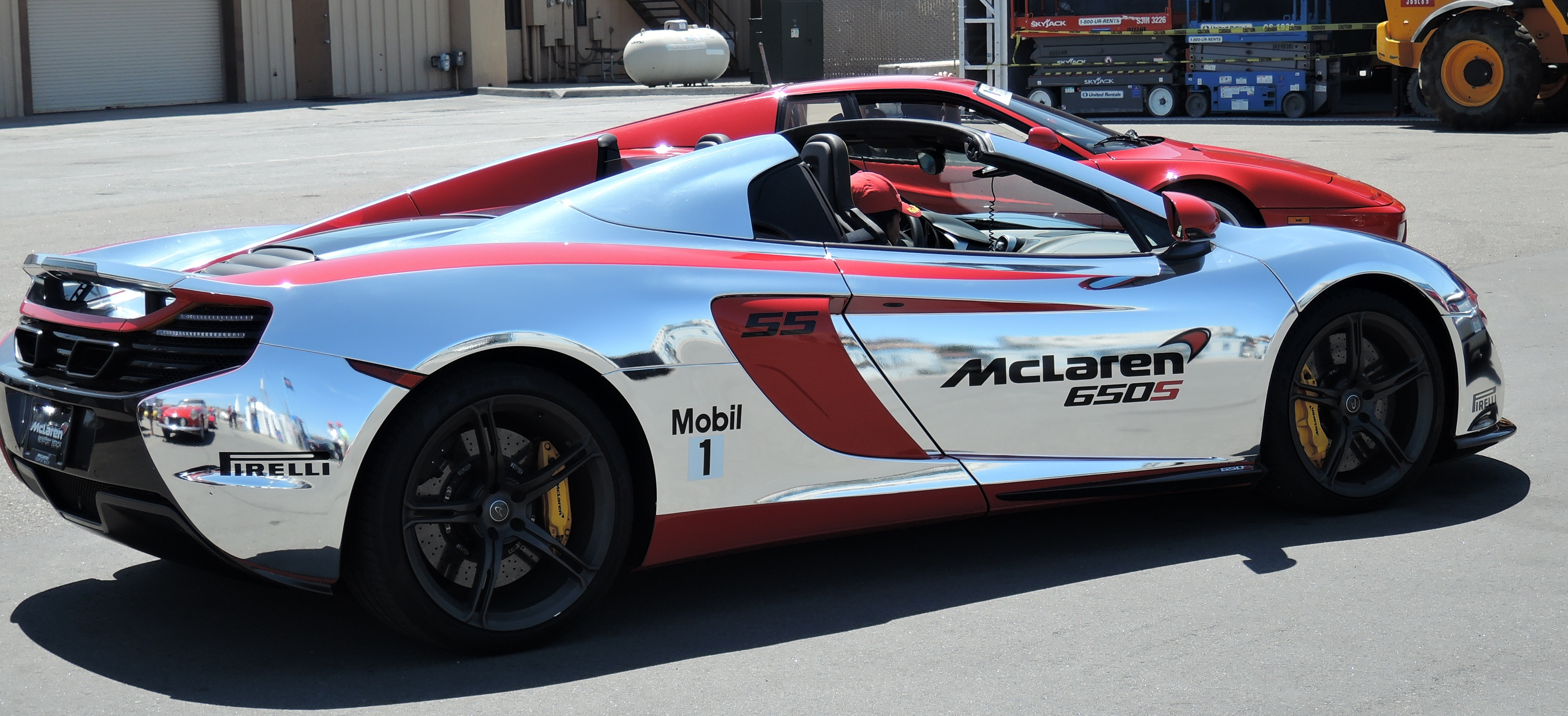 mirrored A McLaren 650S - ferraric club at laguna seca