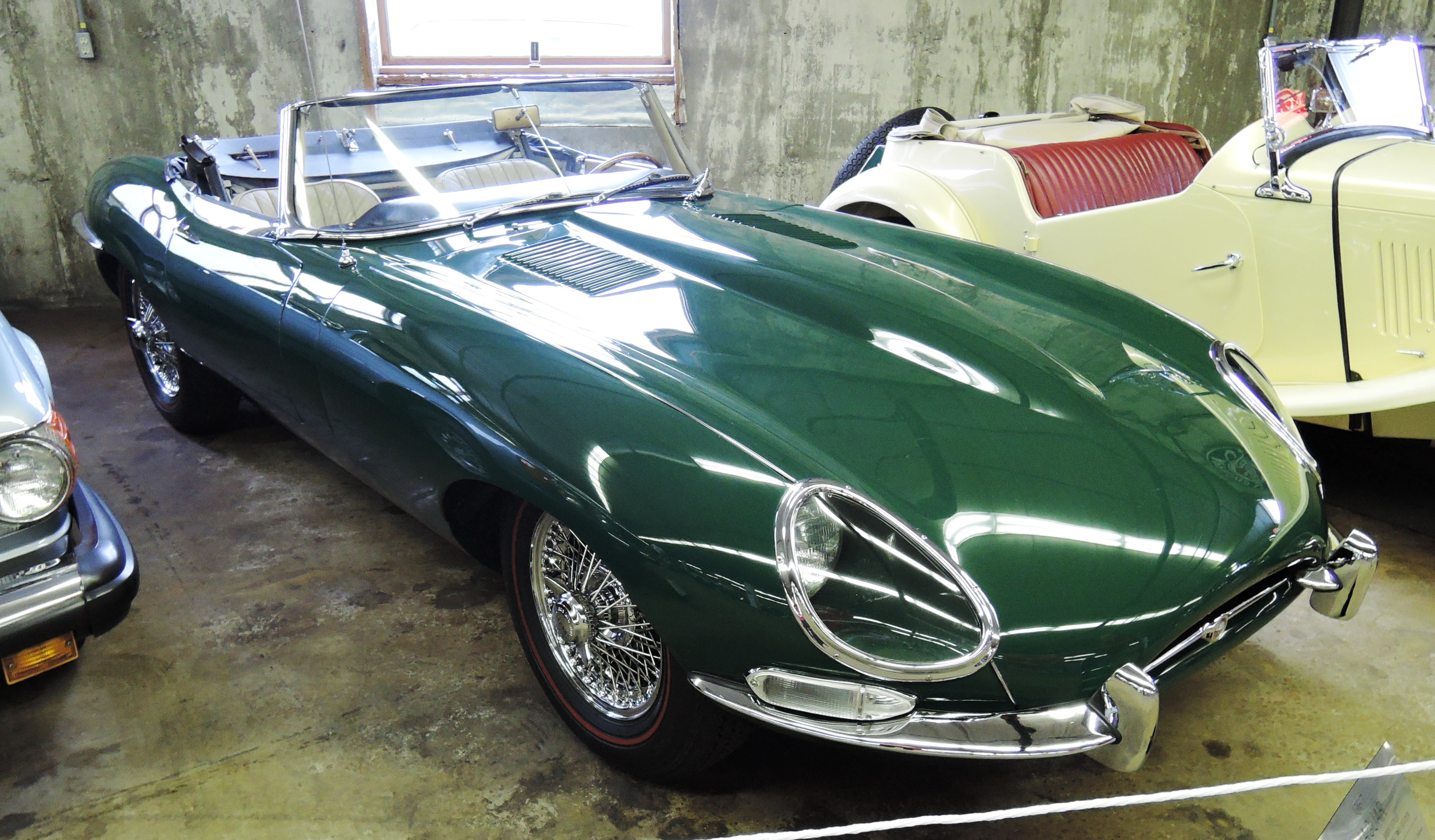 green 1967 Jaguar E-Type open 2-Seater - bahre car collection