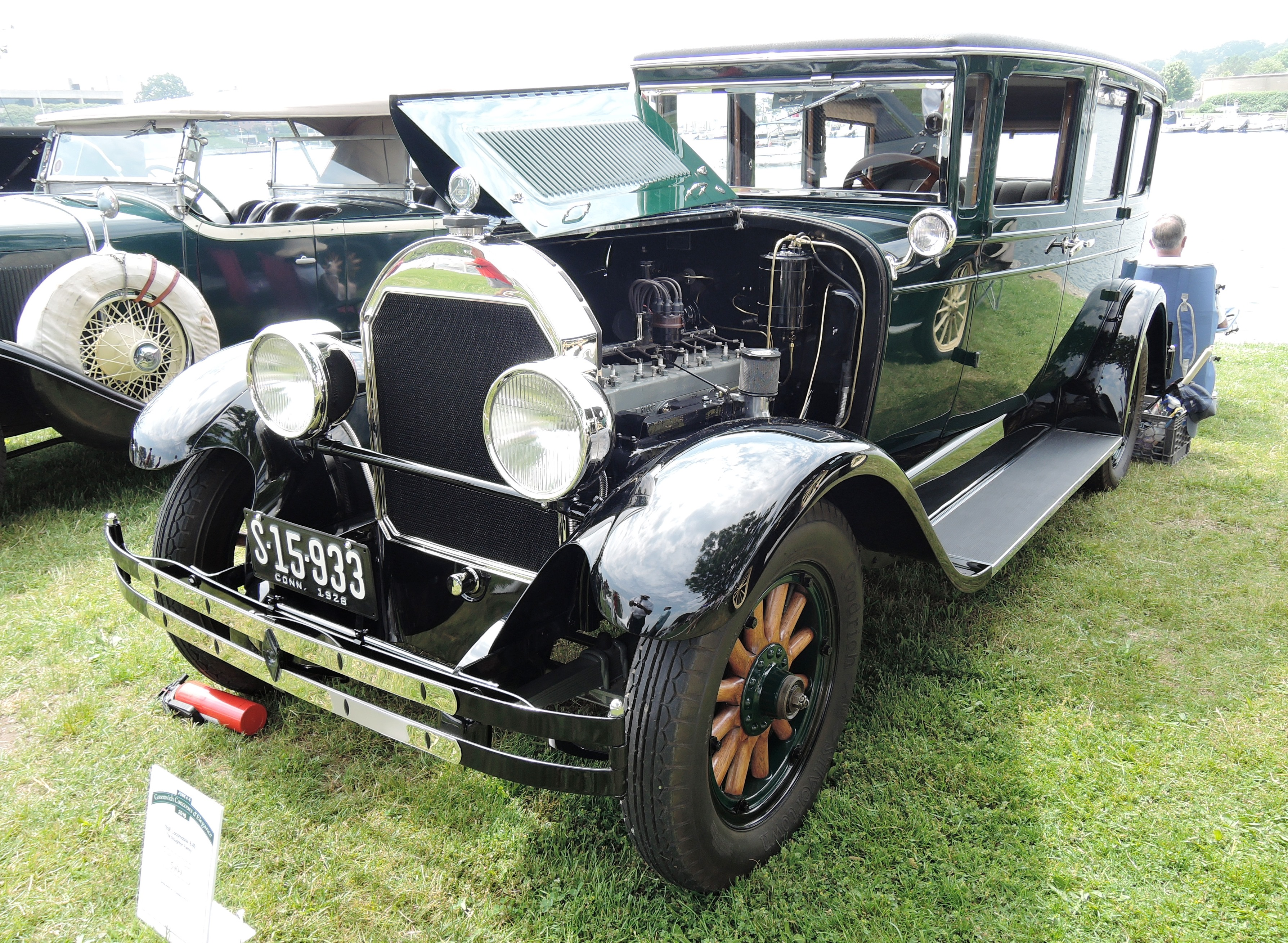 1928 Locomobile 8-80 - greenwich concours