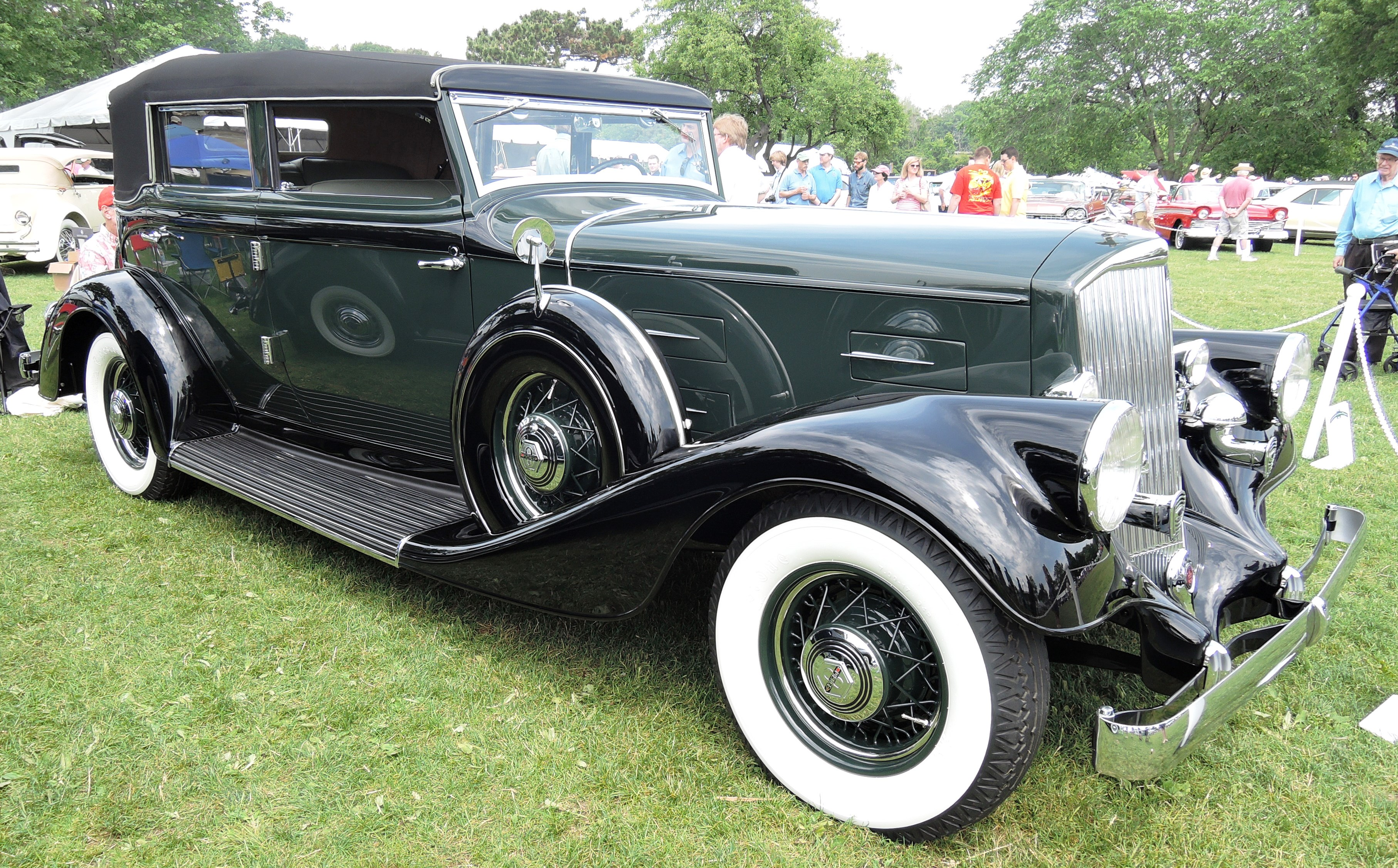 green 1934 Pierce Arrow 840 A - greenwich concours