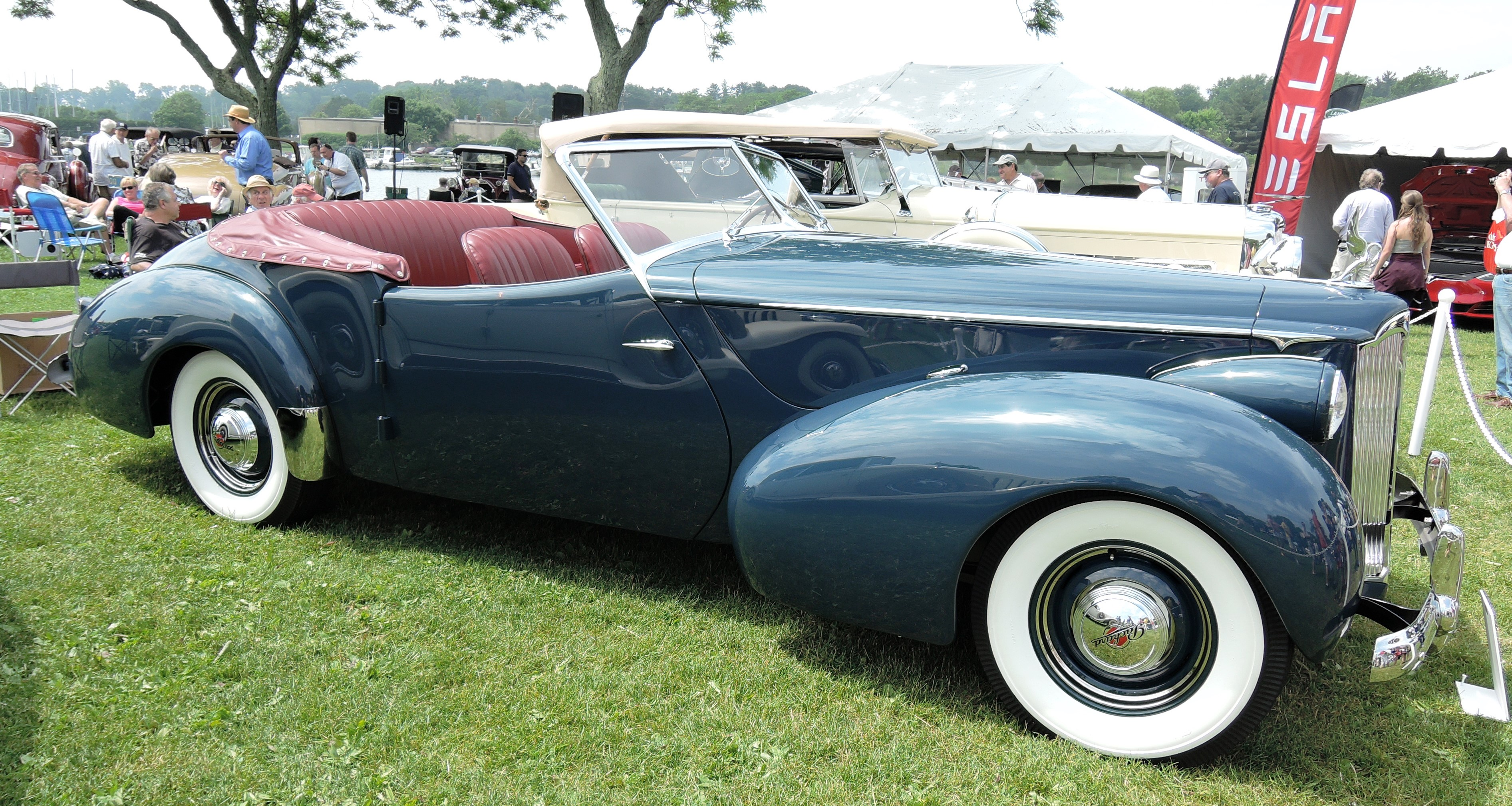 blue/red 1940 Packard Darrin Super Eight Victoria Convertible - greenwich concours
