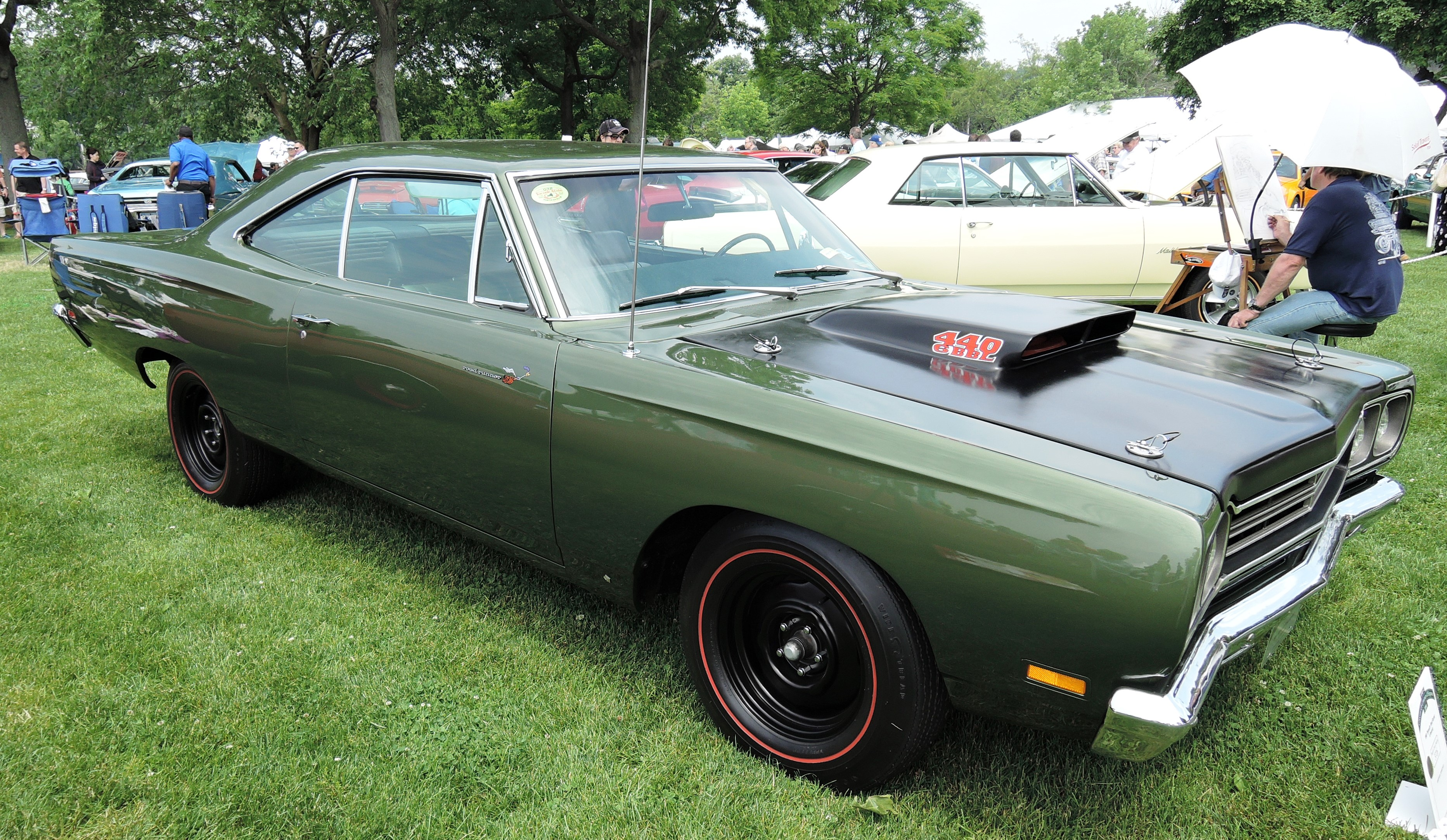green 1969 Plymouth Road Runner - grenwich concours