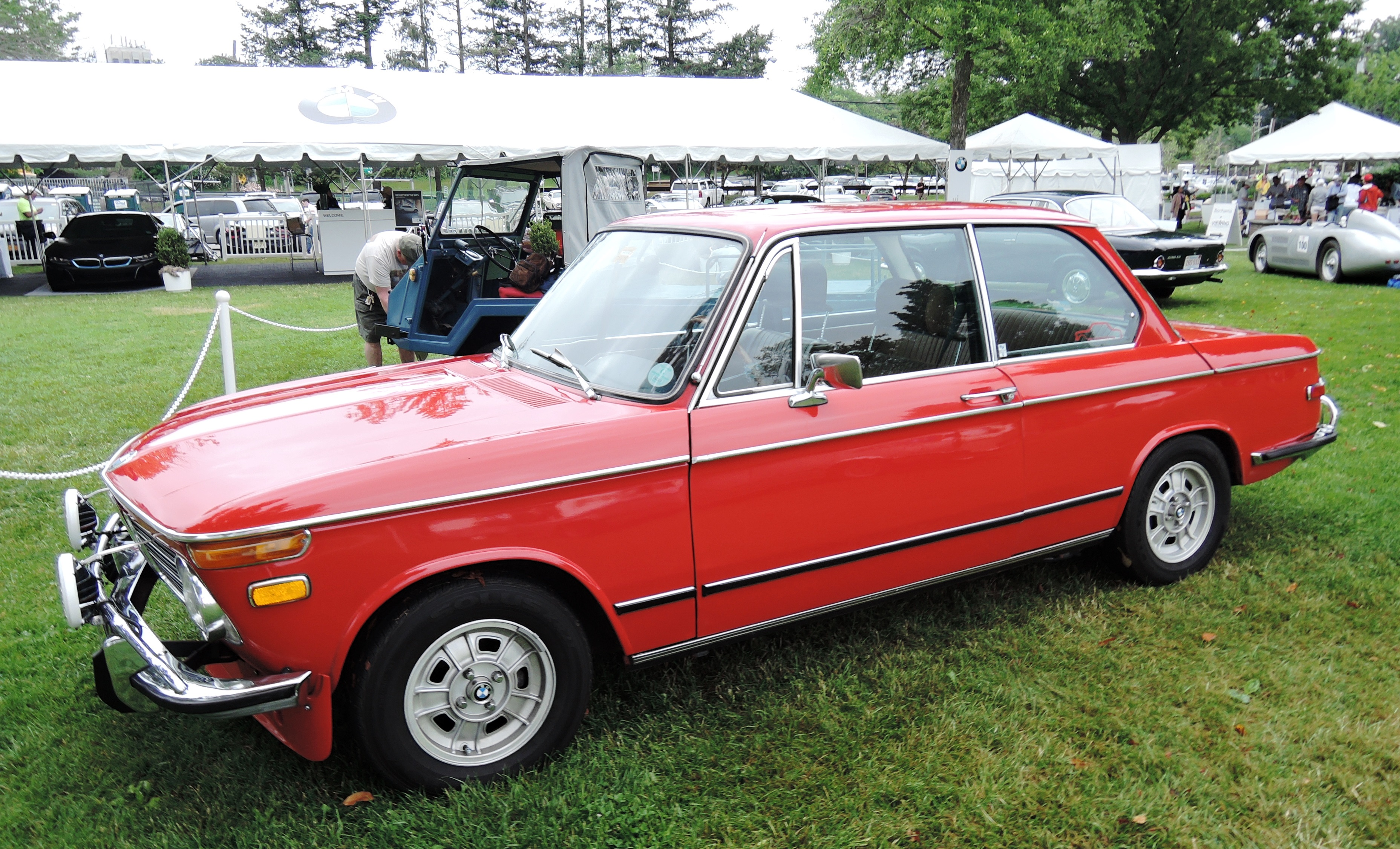 orange 1973 BMW 2002tii Sedan - Greenwich concours d'elegance