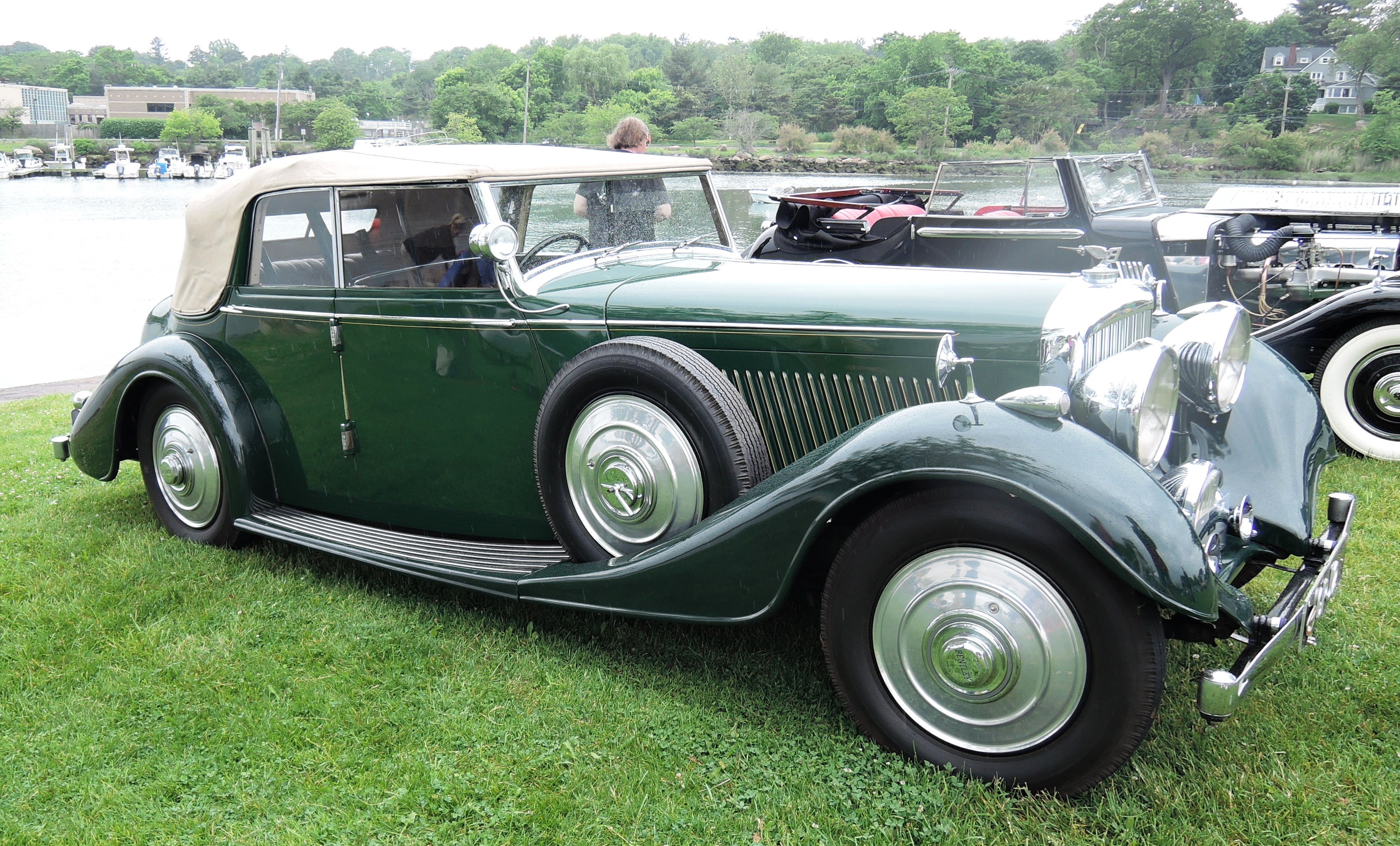 green 1937 Bentley 4 1/4 Litre All-weather Phaeton - Greenwich concours d'elegance