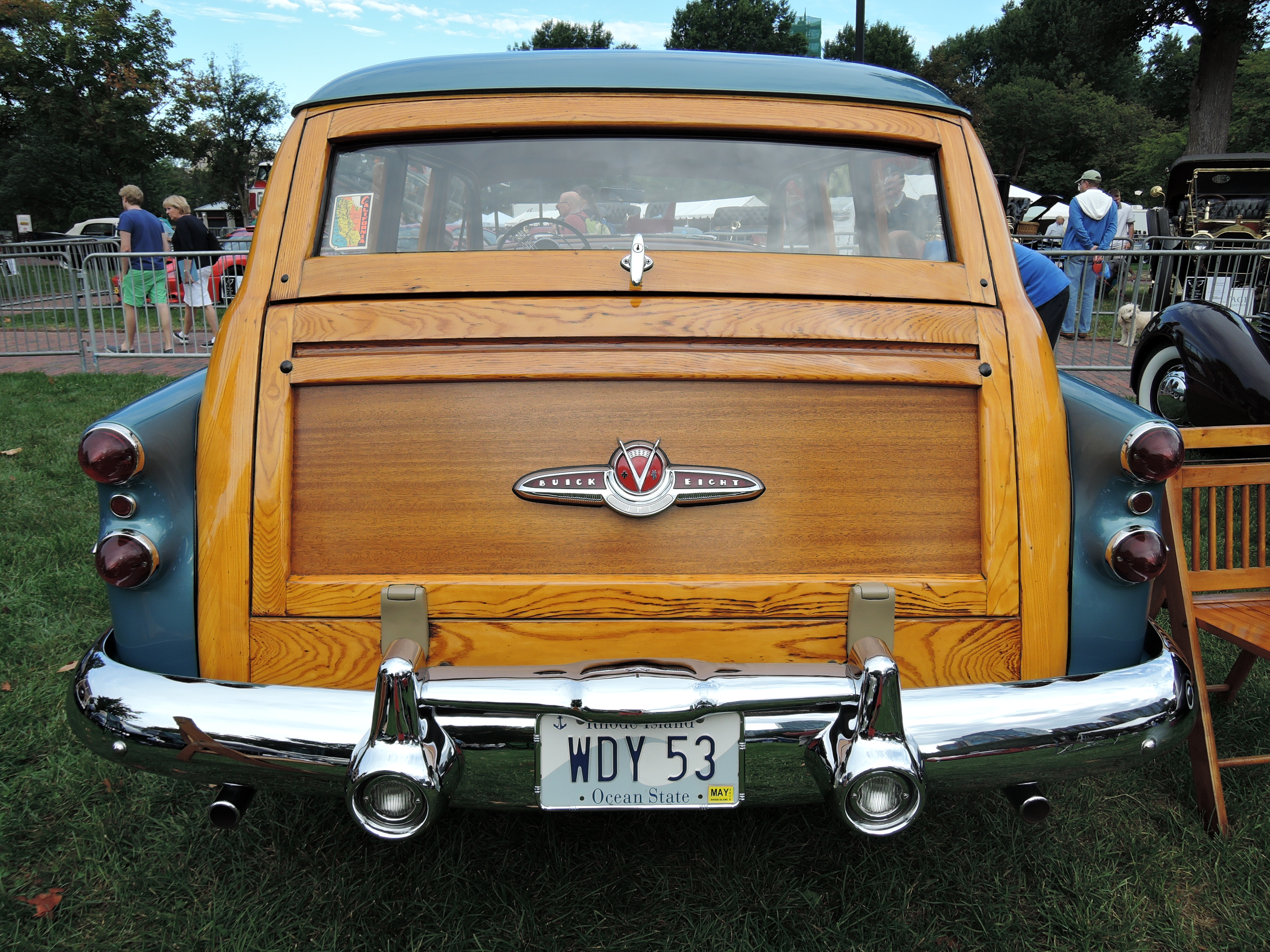 1953 Buick Super Estate ''Woody'' Wagon - vanity license plates