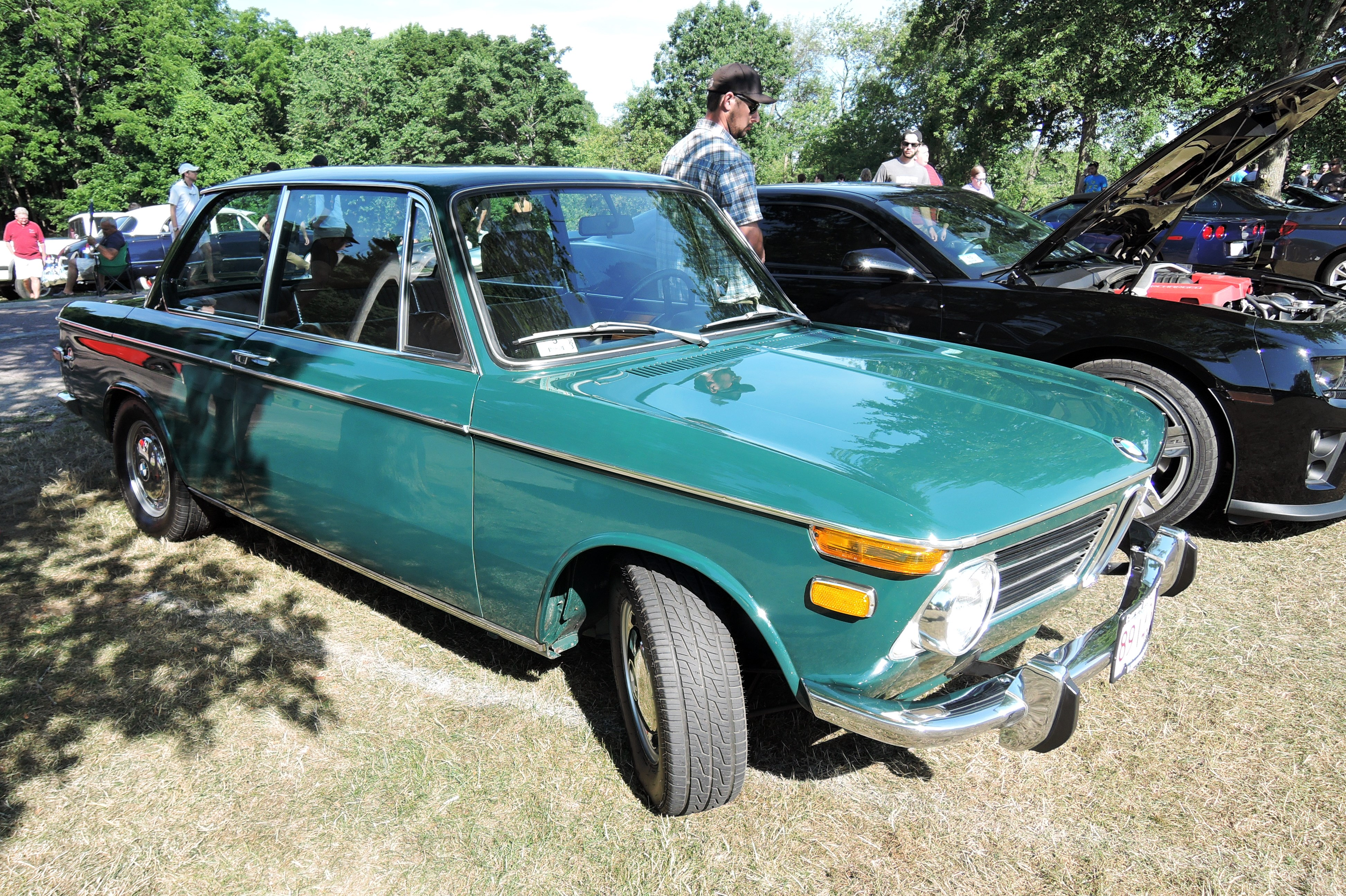 green bmw 2002 - Cars and coffee at larz