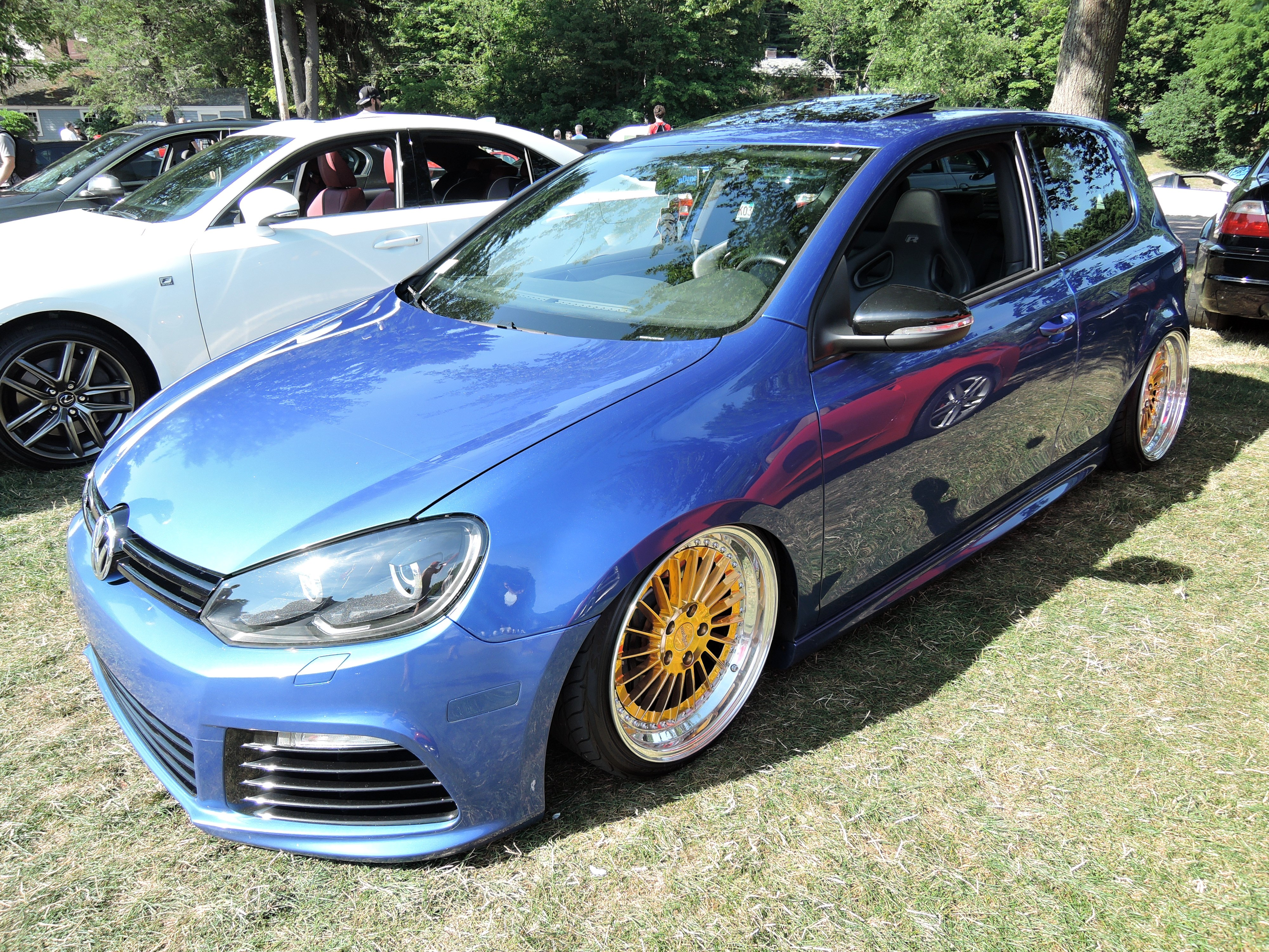 blue vw - trailer - Cars and coffee at larz