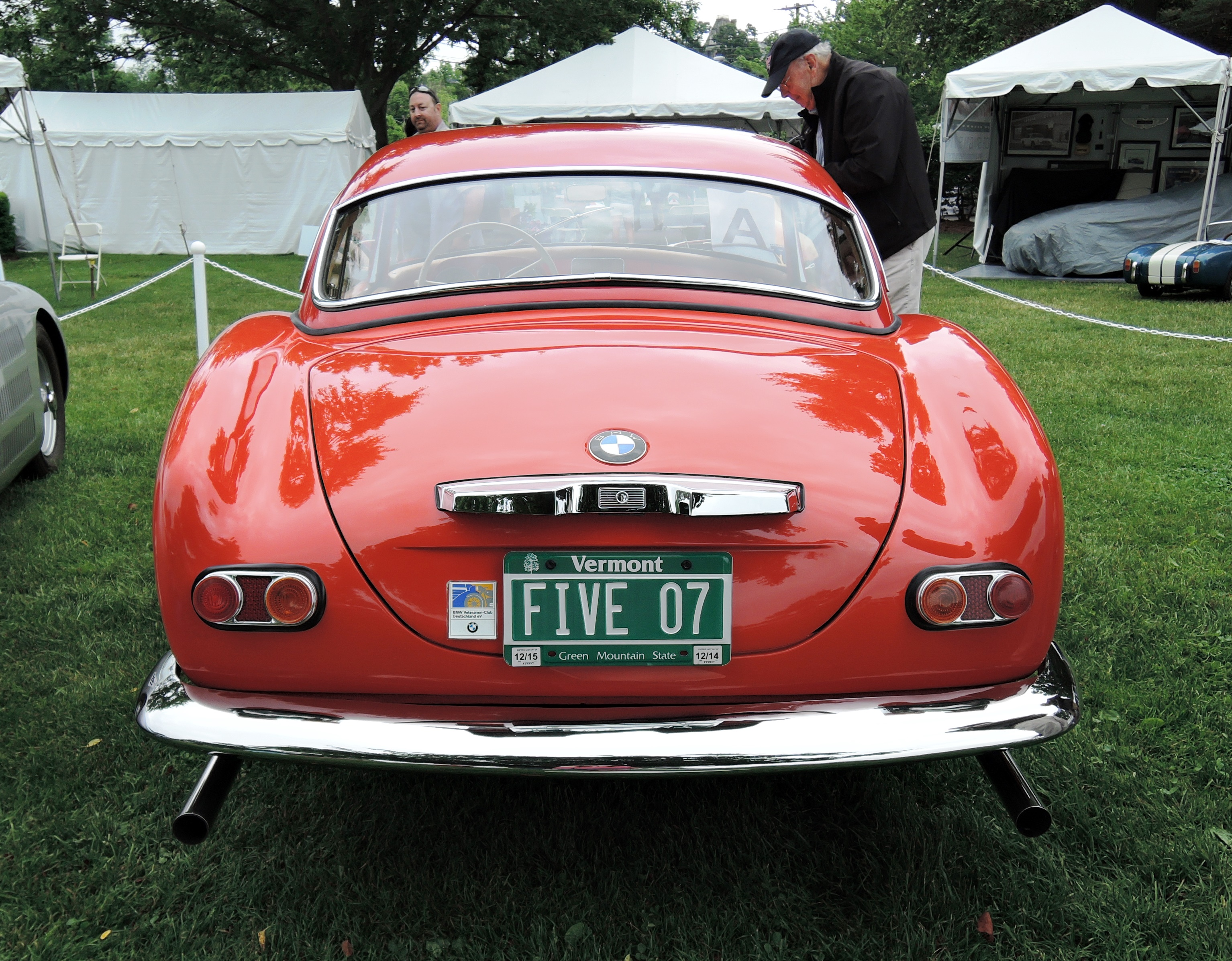 red BMW 507 - license plates