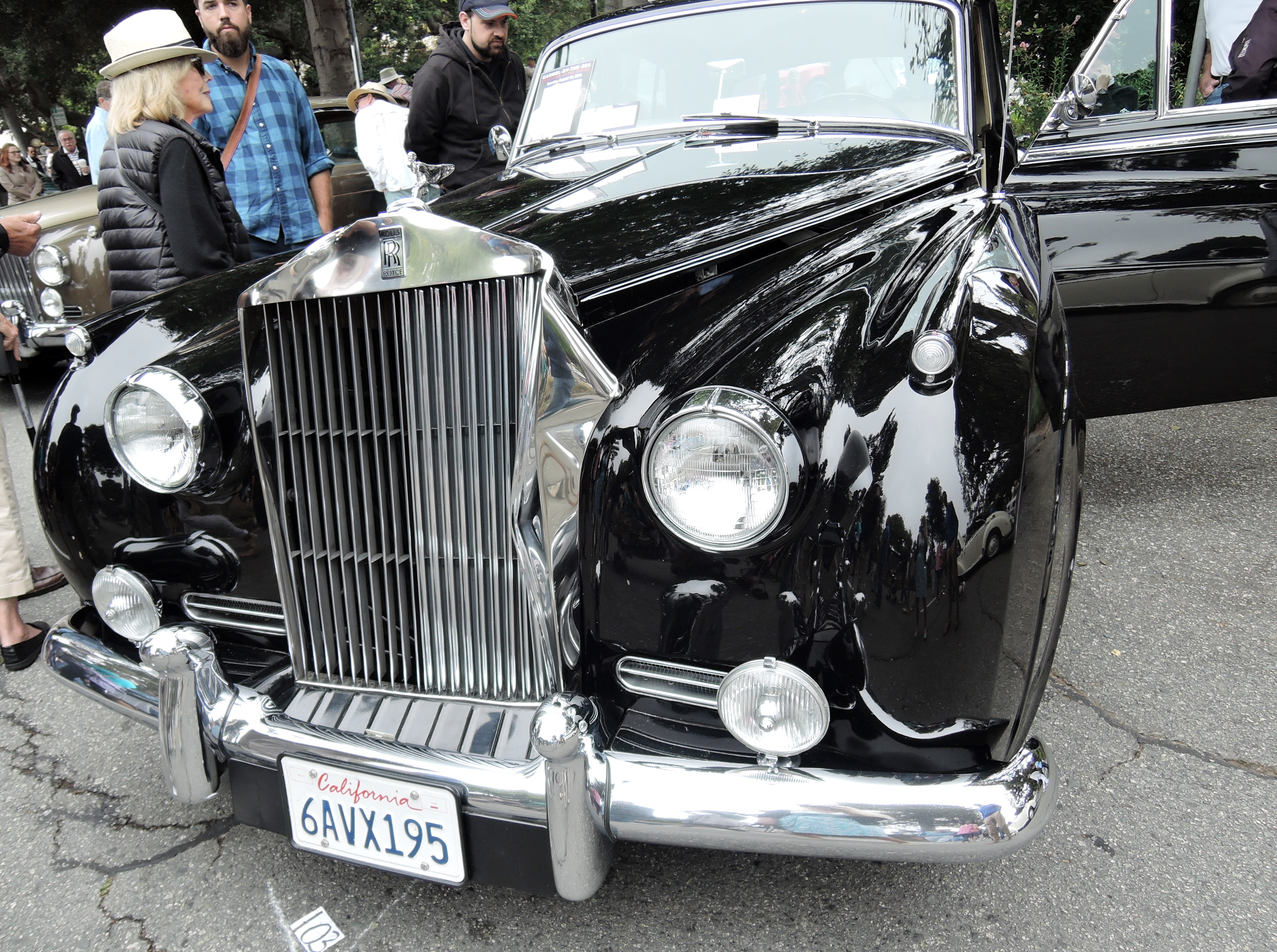 black 1962 Rolls-Royce Silver Cloud II - Concours on the Ave Carmel