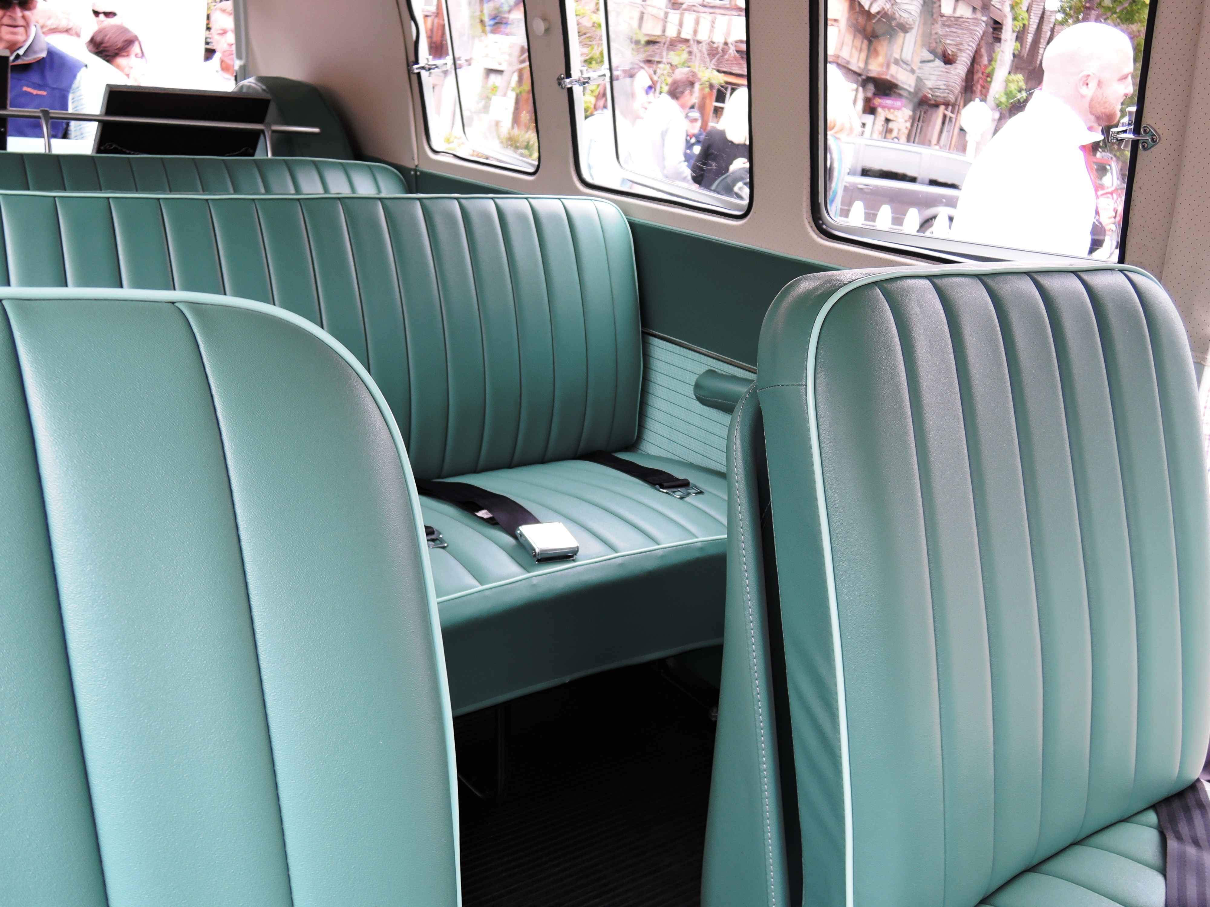1964 VW 11 window transporter - Concours on the Ave Carmel