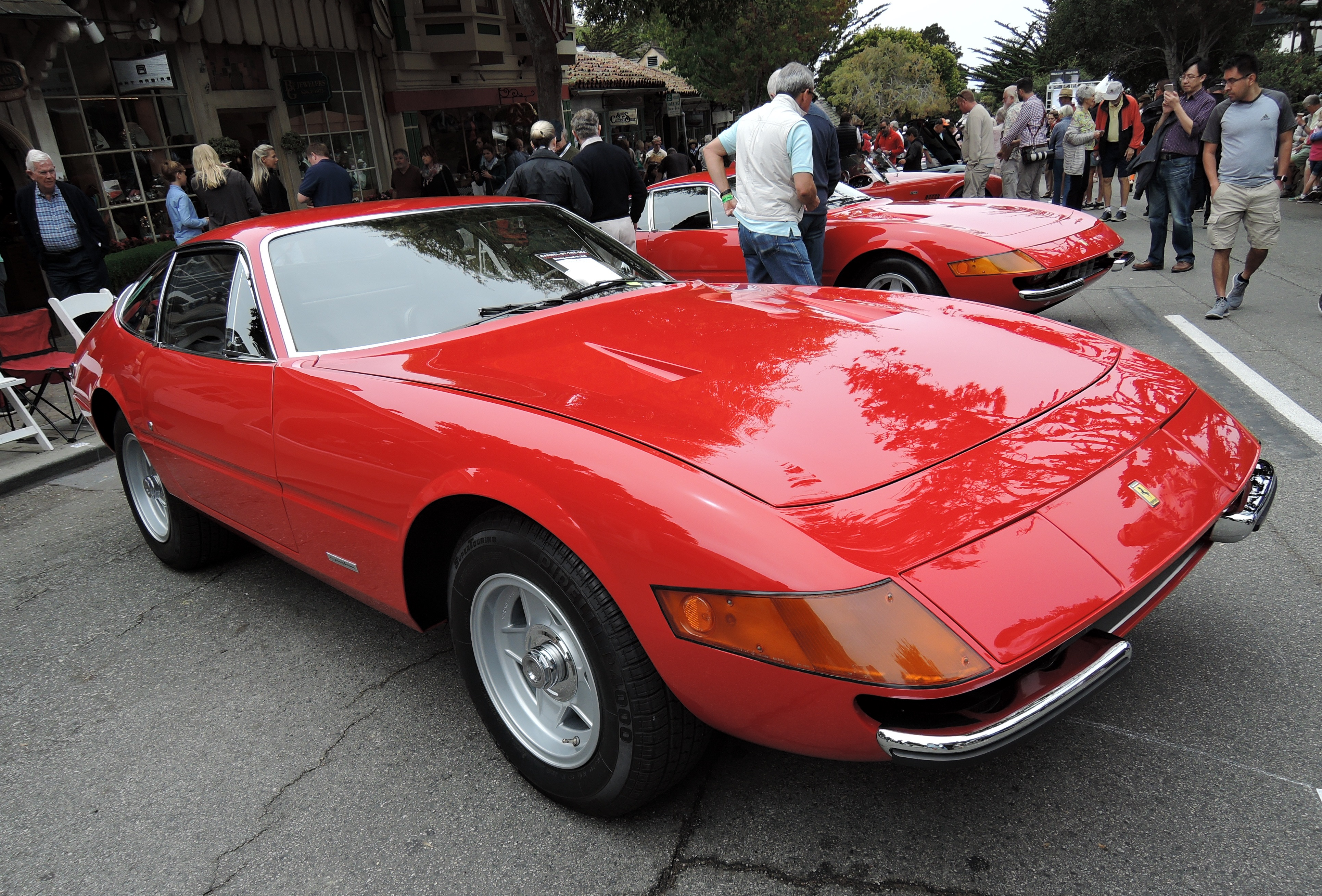 red 1975 Ferrari 365 GTB/4 - Concours on the Ave Carmel