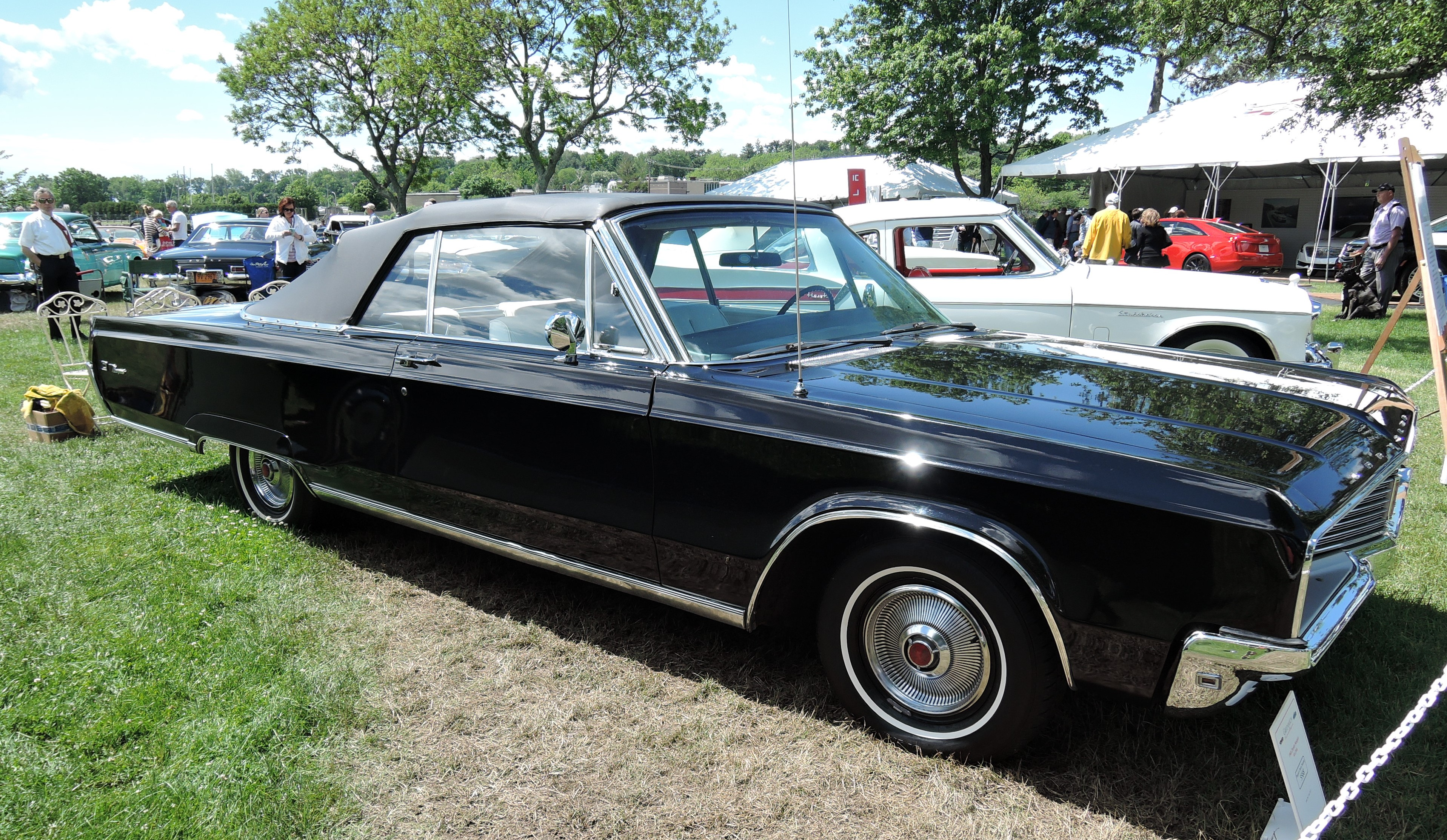 black 1968 Chrysler Newport - Greenwich Concours d'Elegance 2017