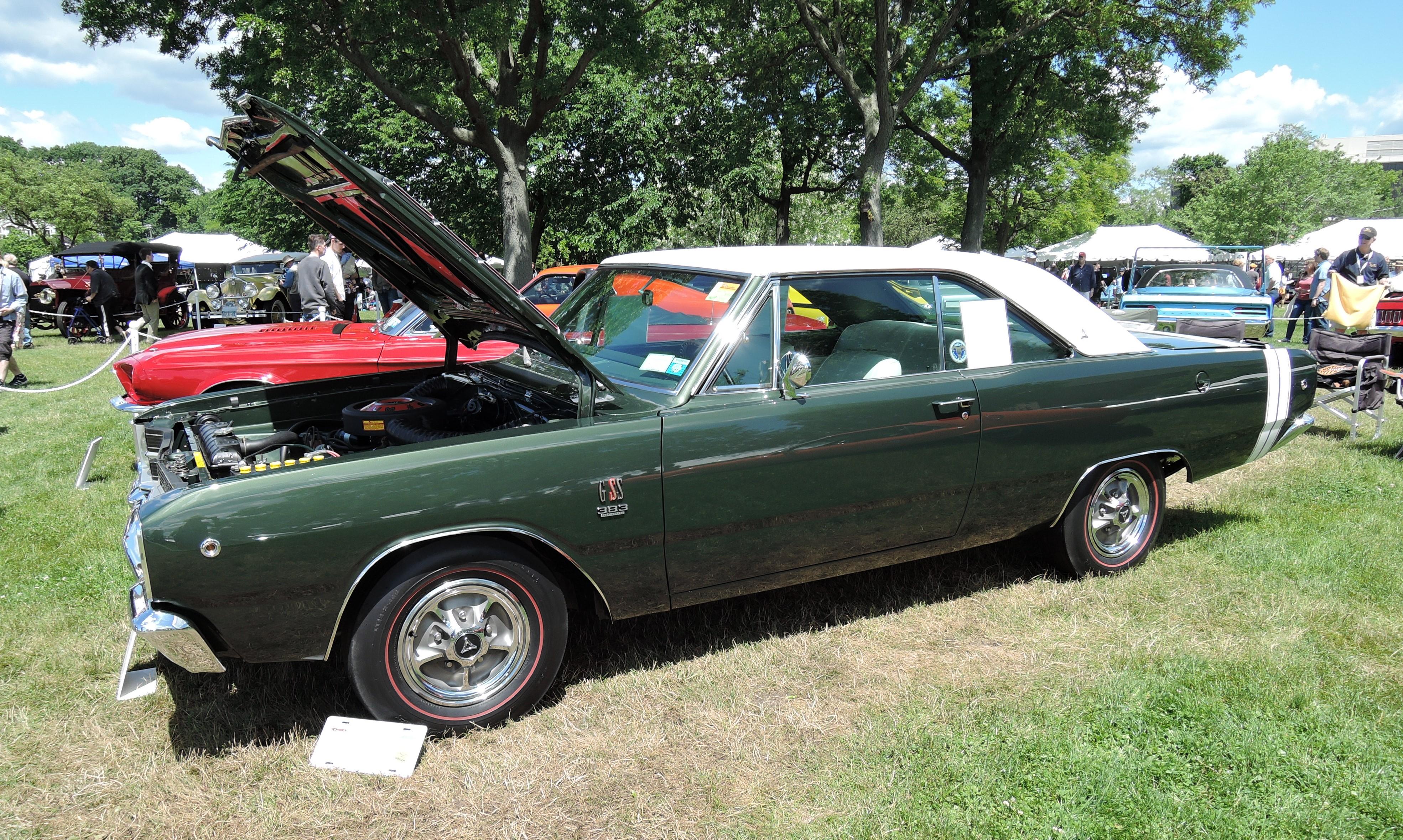 green 1968 Dodge Dart - Greenwich Concours d'Elegance 2017