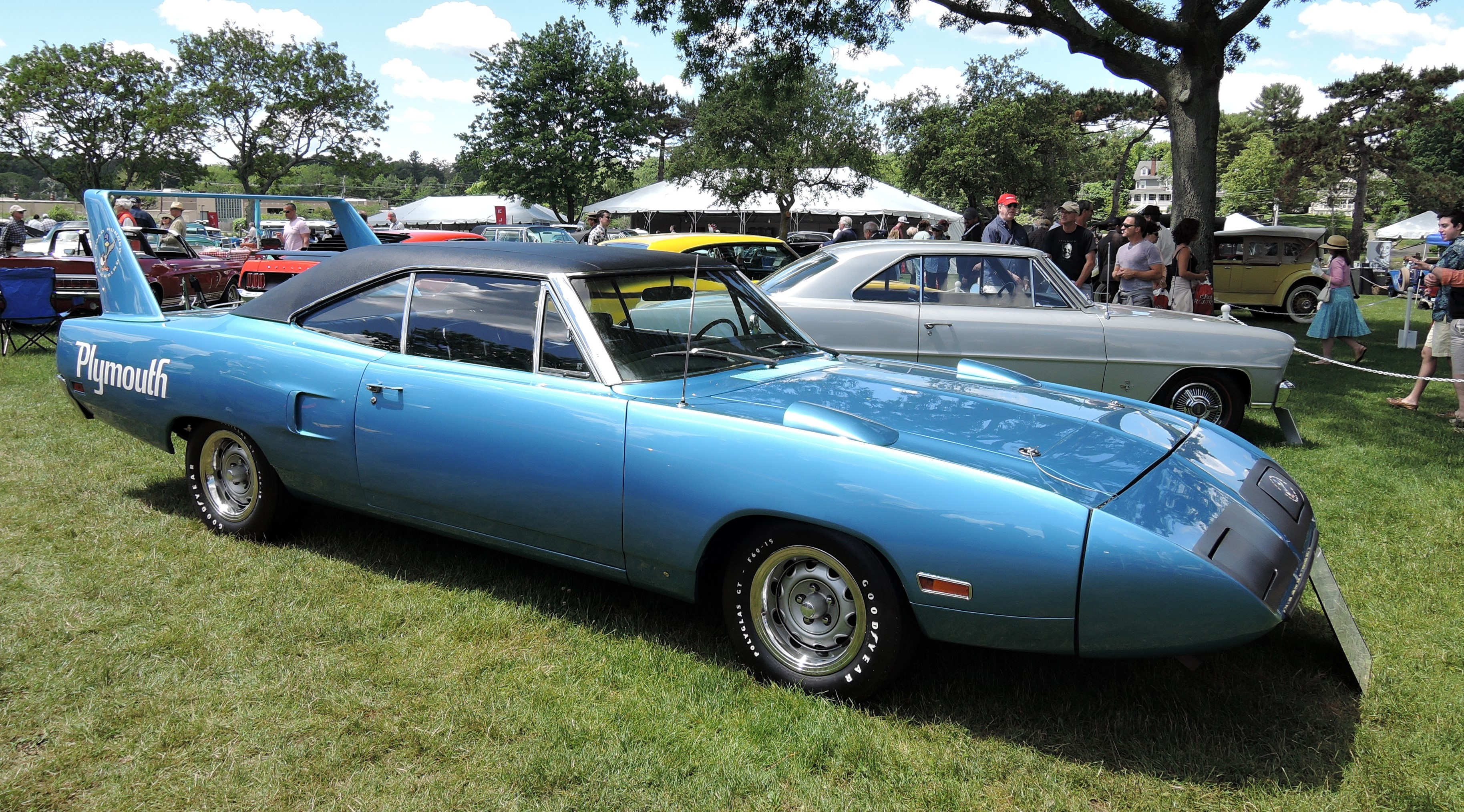 blue 1970 Plymouth Superbird - Greenwich Concours d'Elegance 2017