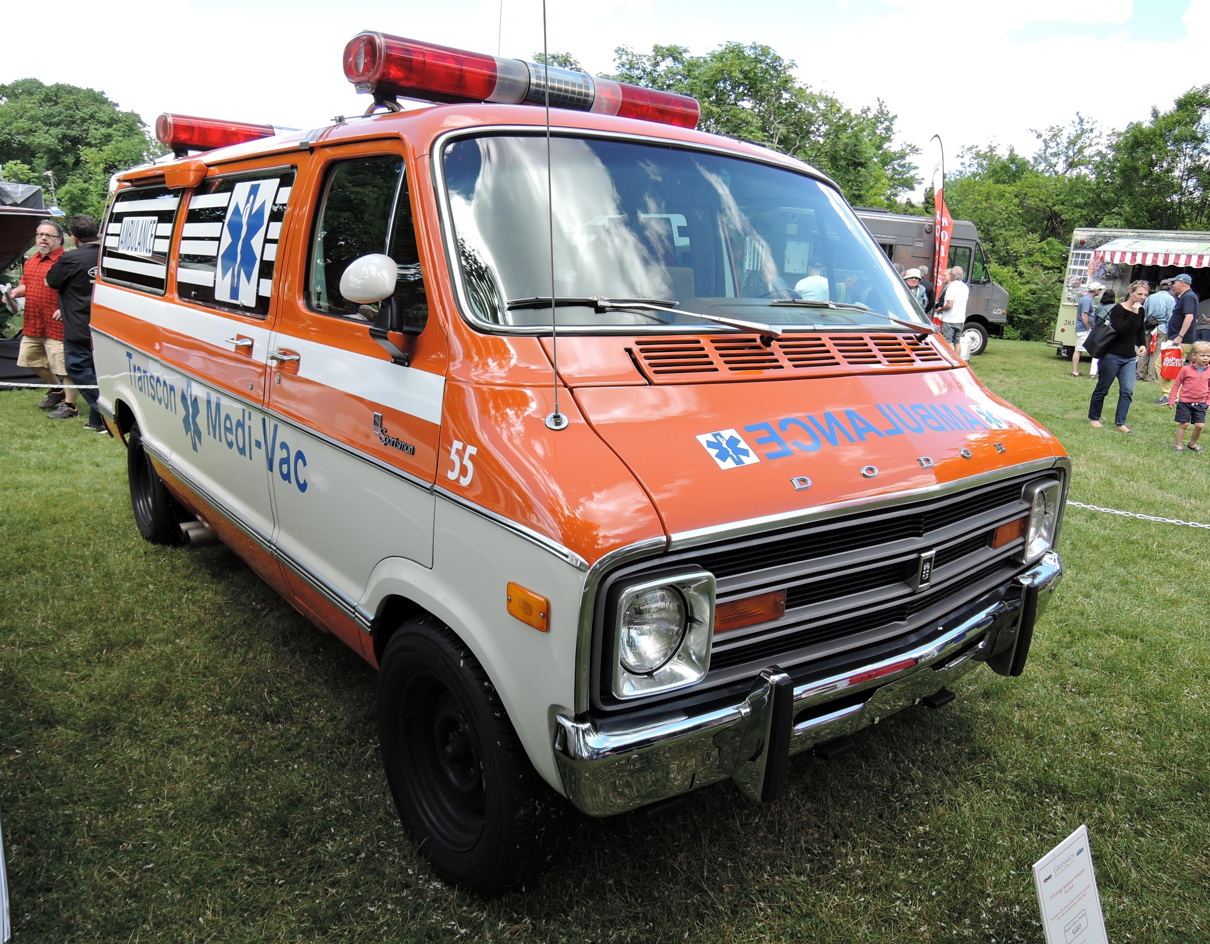 orange/white 1978 Dodge Sportsman Ambulance - Greenwich Concours d'Elegance 2017