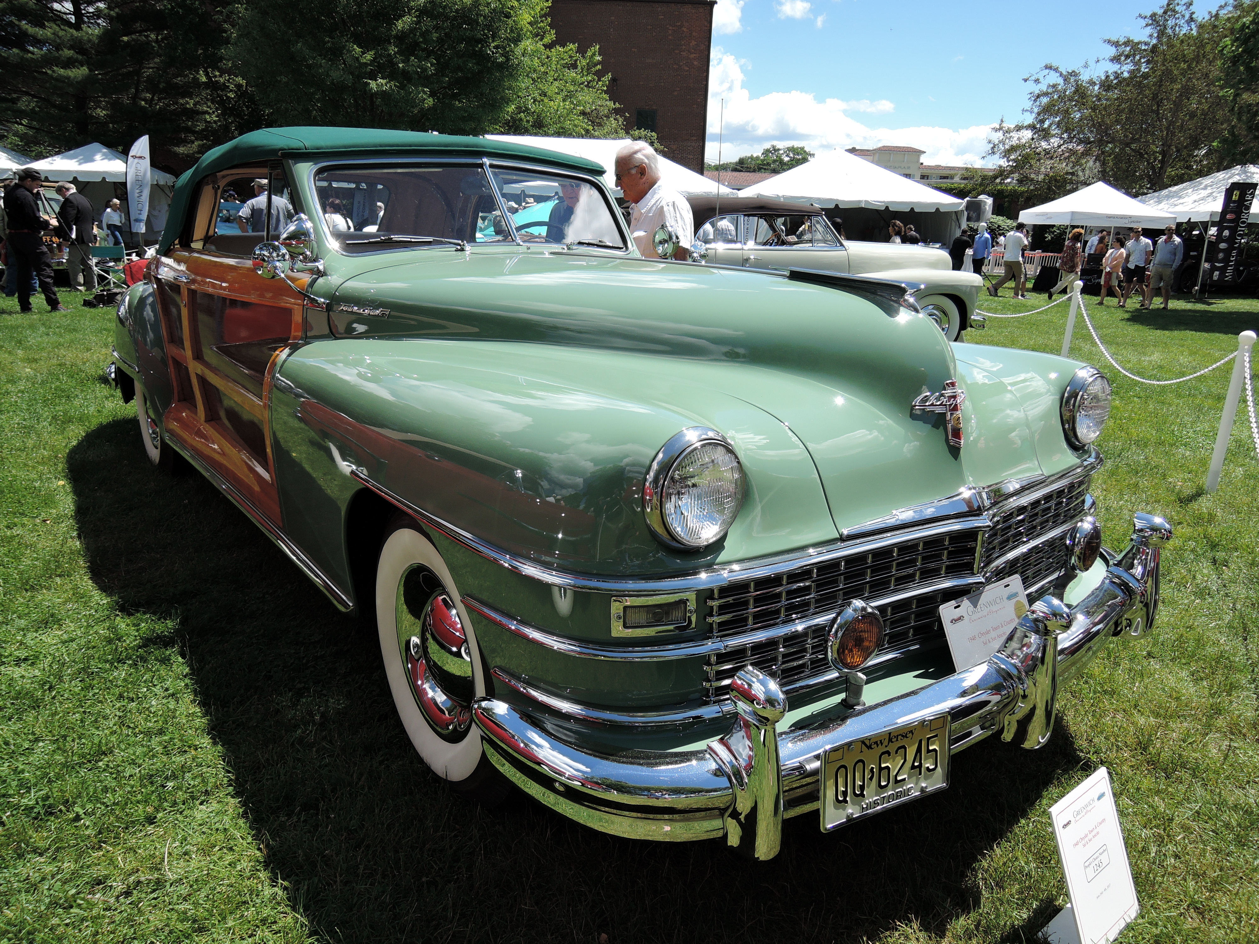 green/wood 1948 Chrysler Town & Country - Greenwich Concours d'Elegance 2017