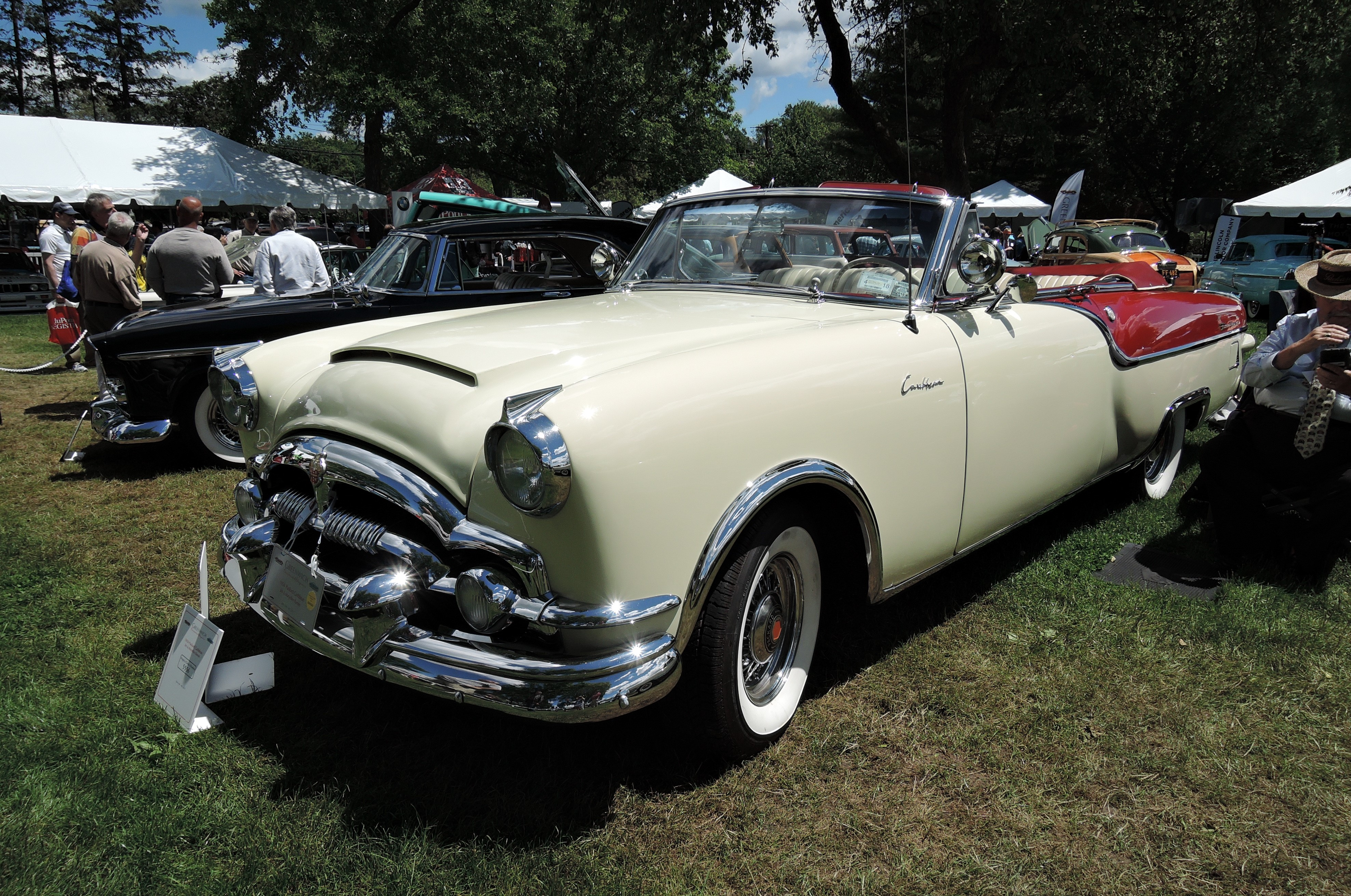 white/red 1954 Packard Caribbean - Greenwich Concours d'Elegance 2017