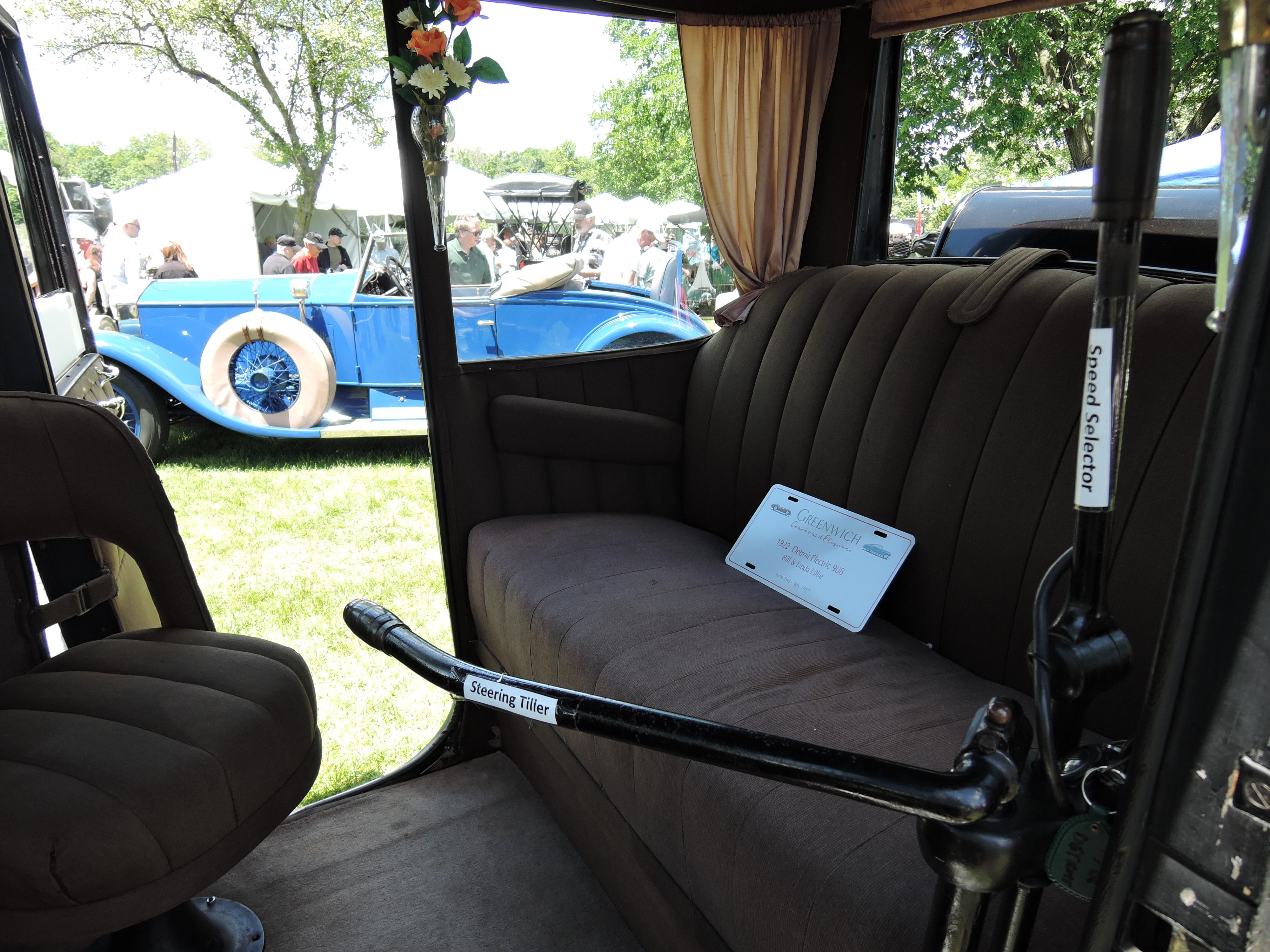 black 1922 Detroit Electric 90B - Greenwich Concours d'Elegance 2017