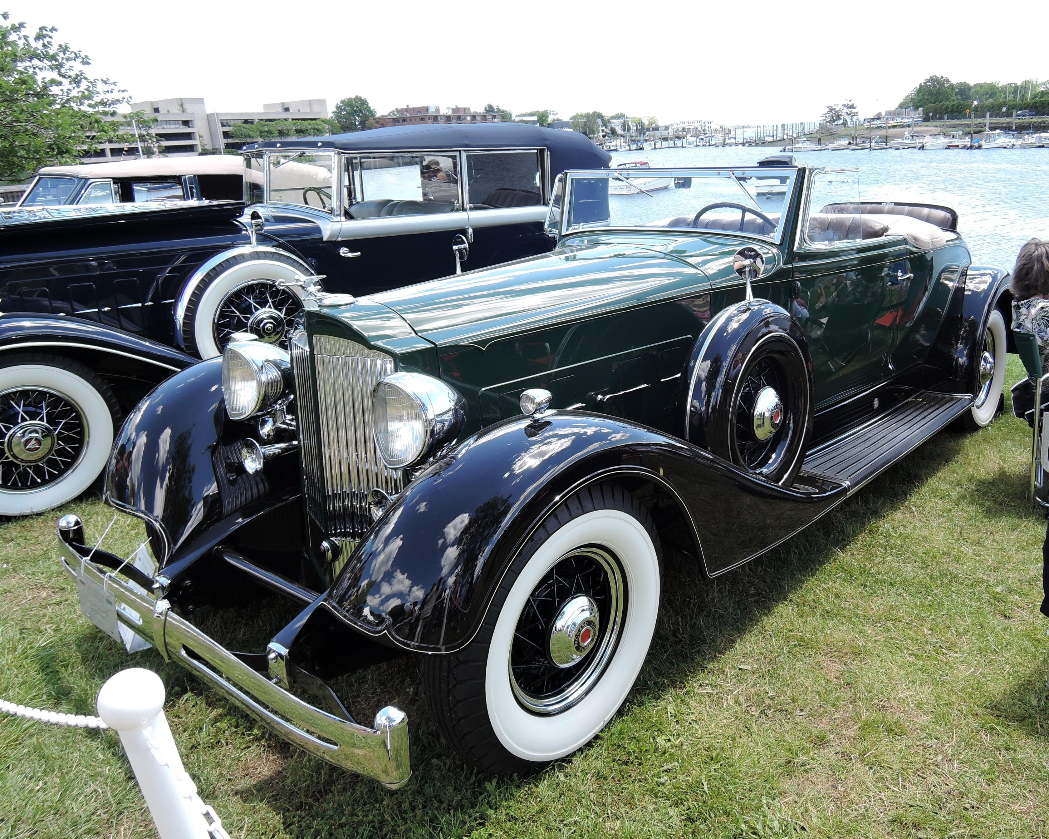 green/blue 1934 Packard 1104 Super Eight - Greenwich Concours d'Elegance 2017