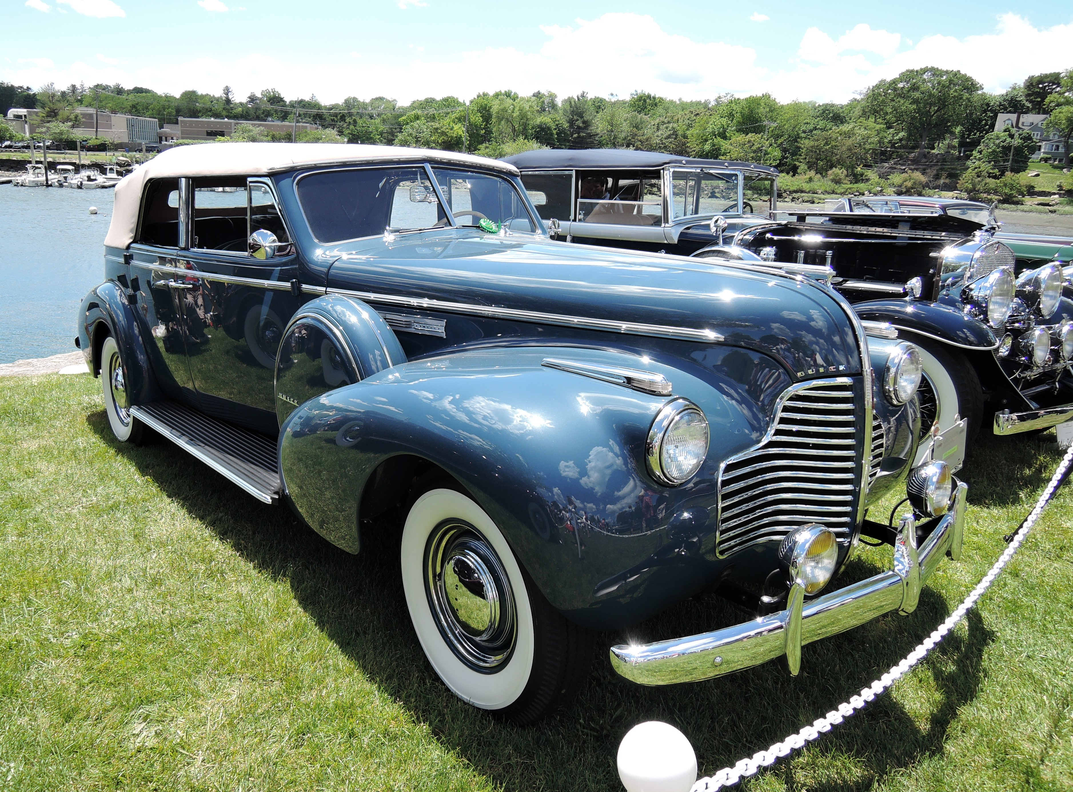 blue 1940 Buick Limited - Greenwich Concours d'Elegance 2017