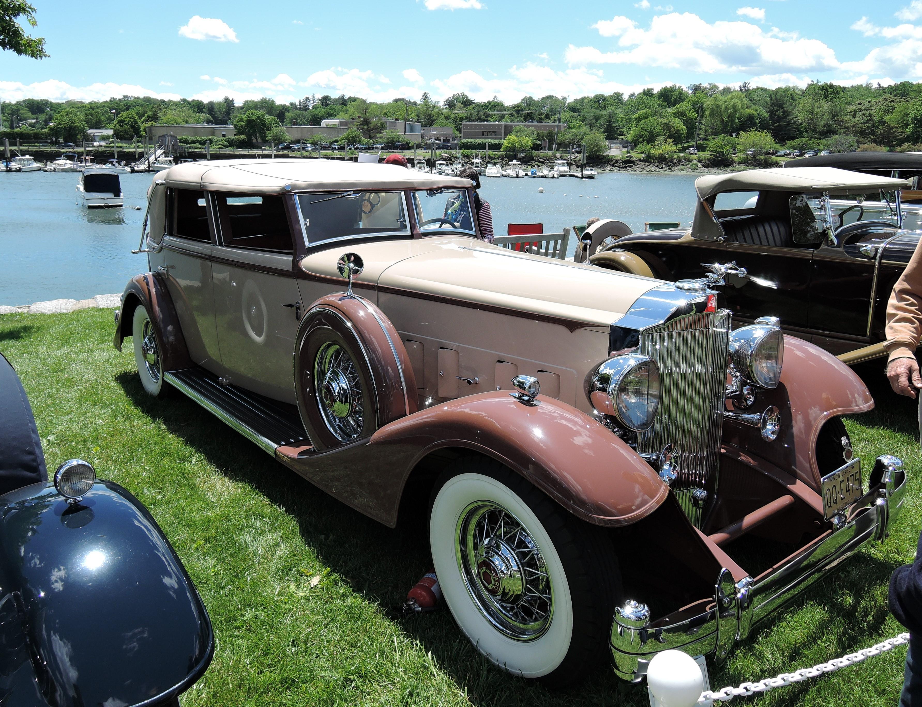 cream/brown 1933 Packard 1006 V-12 Cabriolet Deville - Greenwich Concours d'Elegance 2017