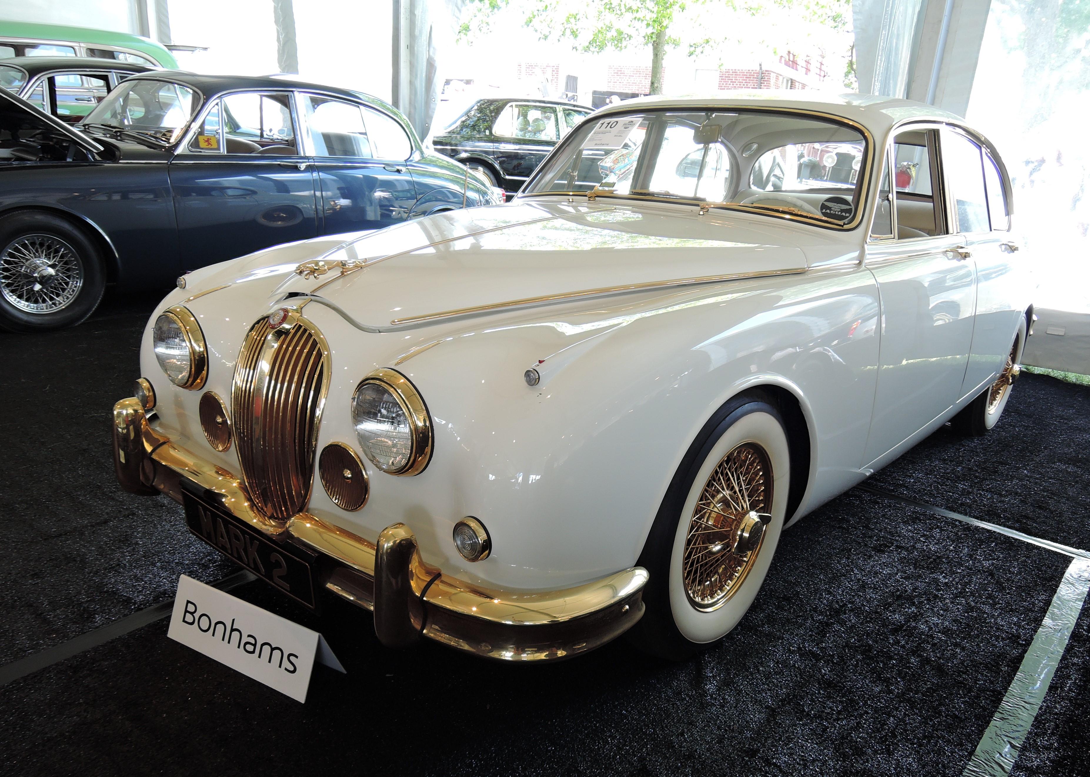 bonhams white 1960 Jaguar MKII 3.8 Saloon 'The Golden Jaguar' recreation - Greenwich Concours d'Elegance 2017