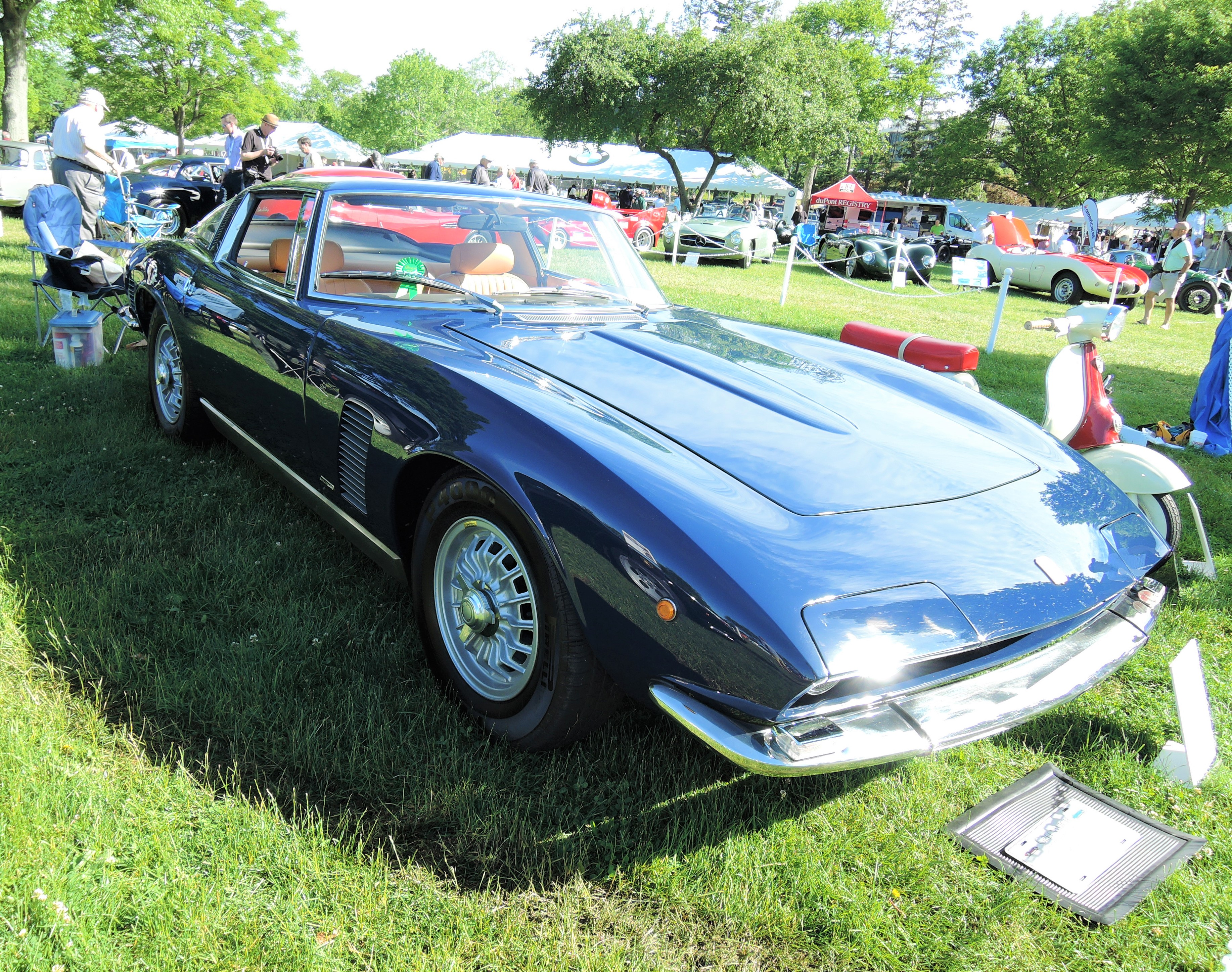 blue 1971 Iso Grifo Coupe - Greenwich Concours d'Elegance 2017