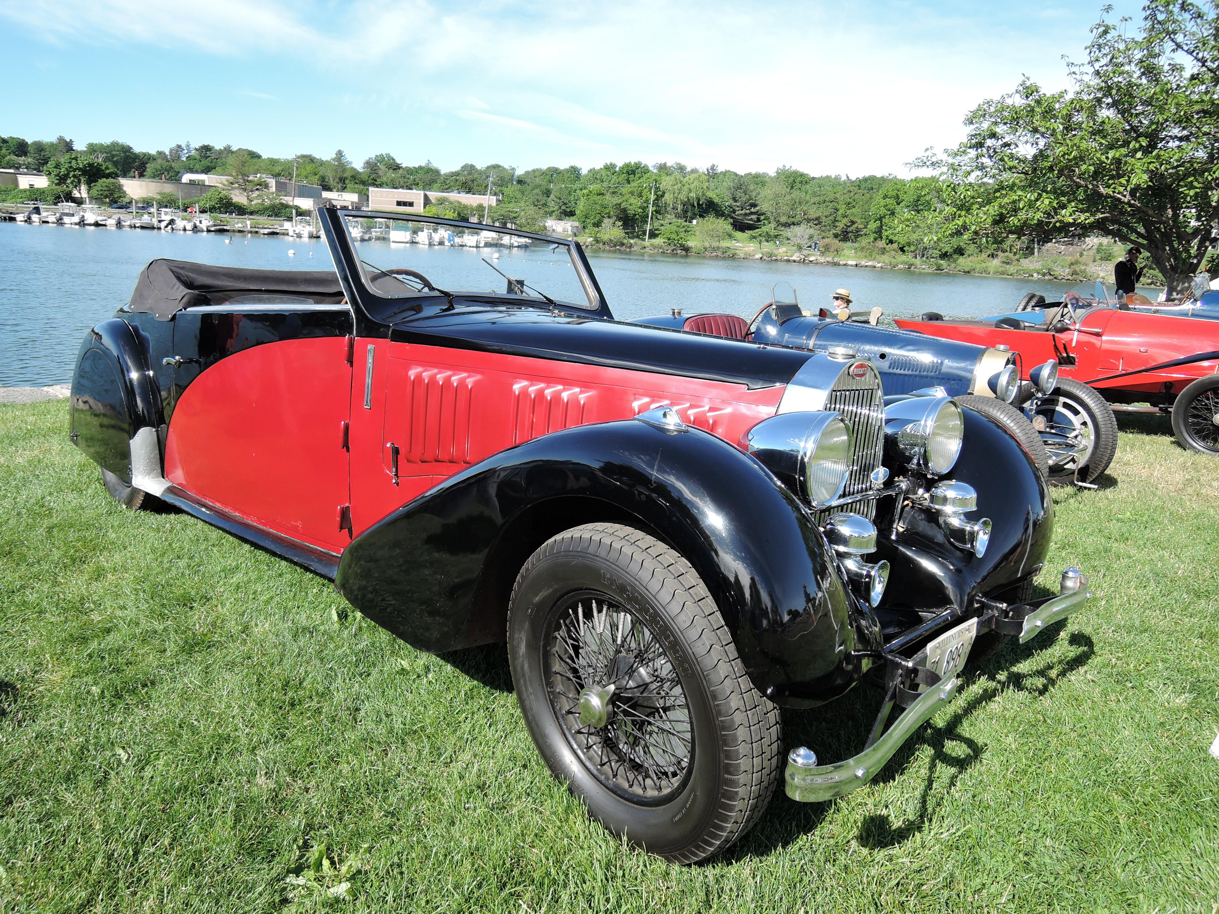 red/black 1937 Bugatti Type 57 Stelvio - Greenwich Concours d'Elegance 2017