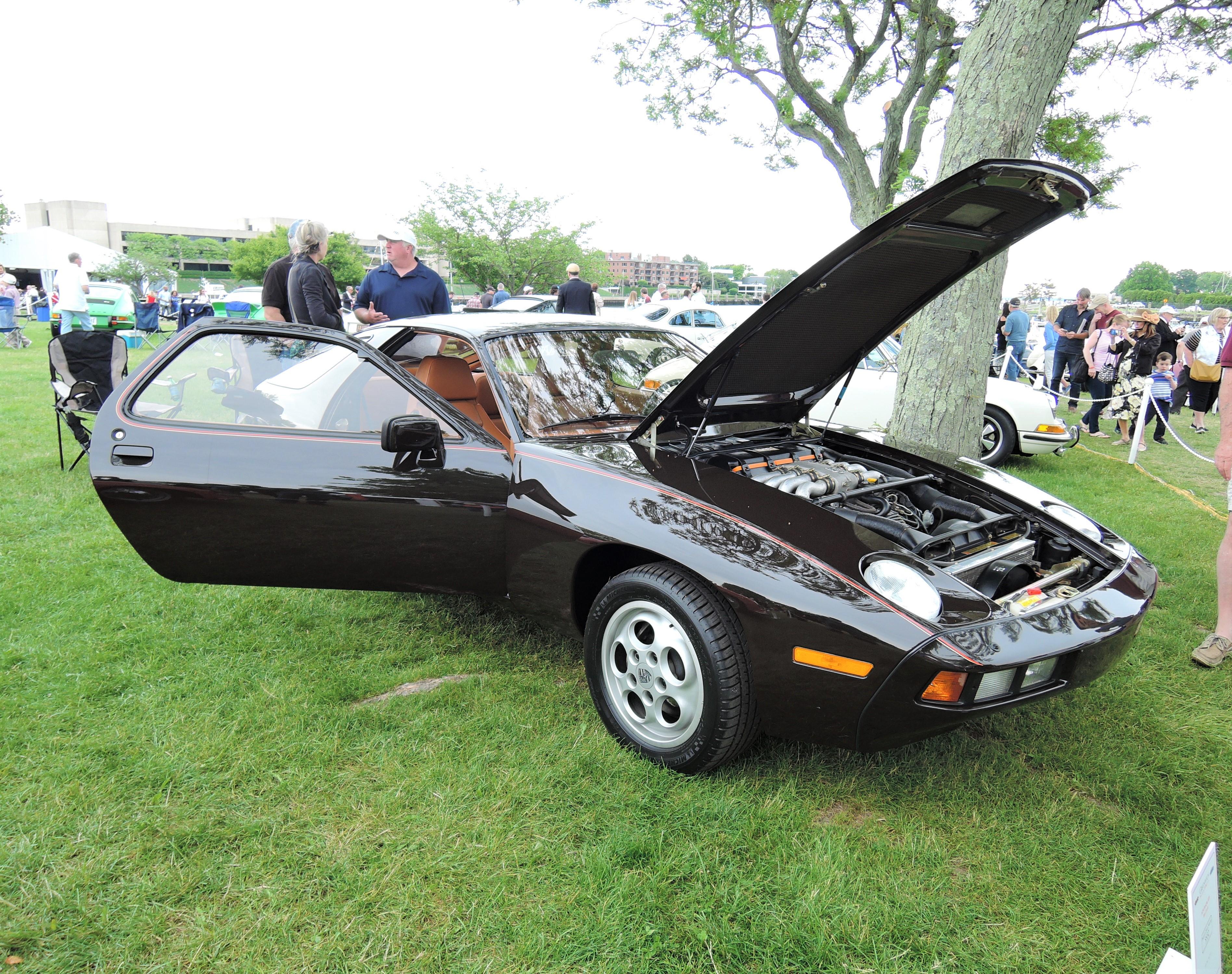 brown 1979 Porsche 928 - Greenwich Concours d'Elegance 2017