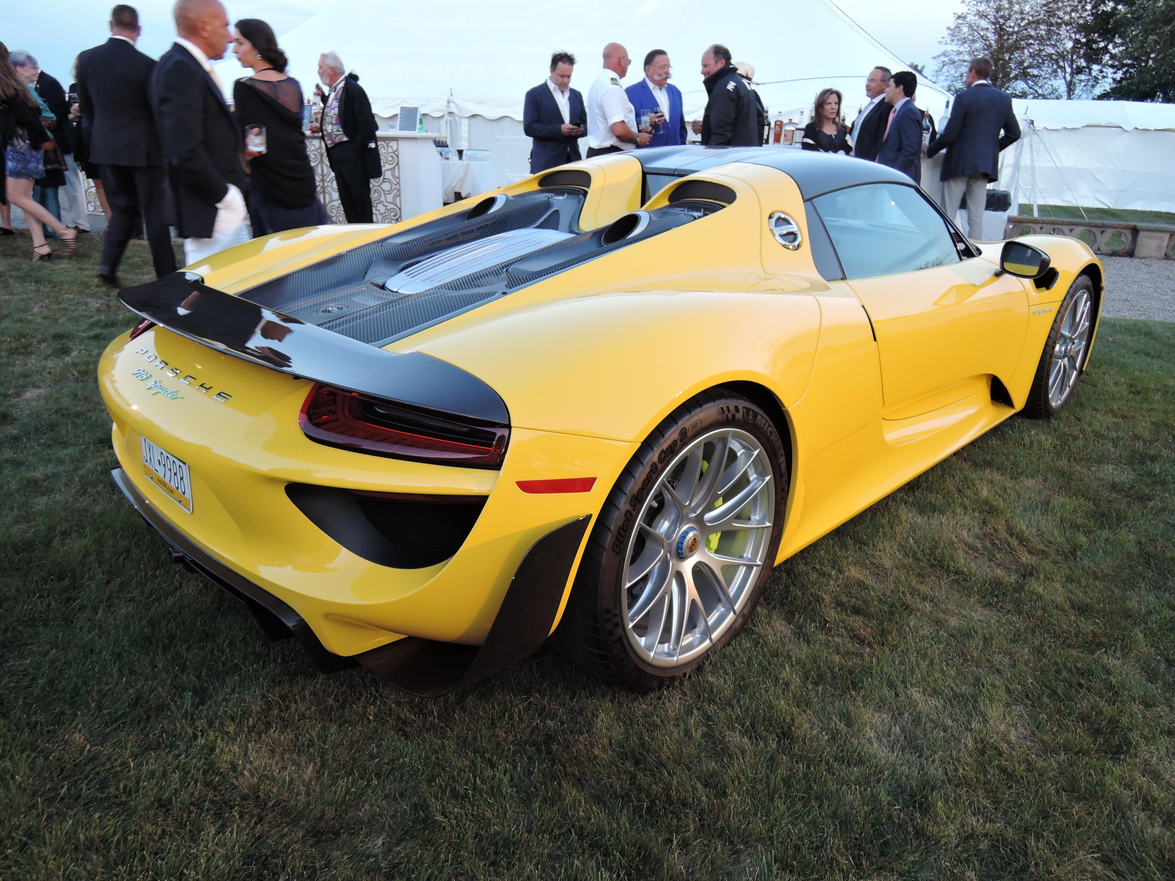 yellow Porsche 918 Spyder - Audrain Auto Museum Gala 2017