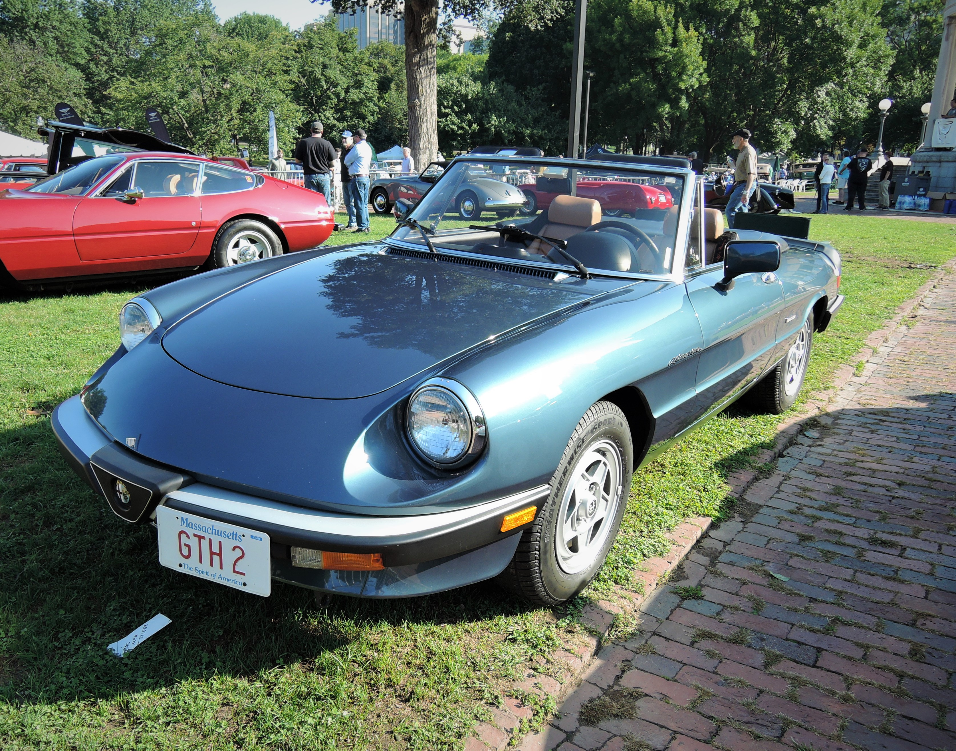 blu 1986 Alfa Romeo Spider Veloce - The Boston Cup 2017