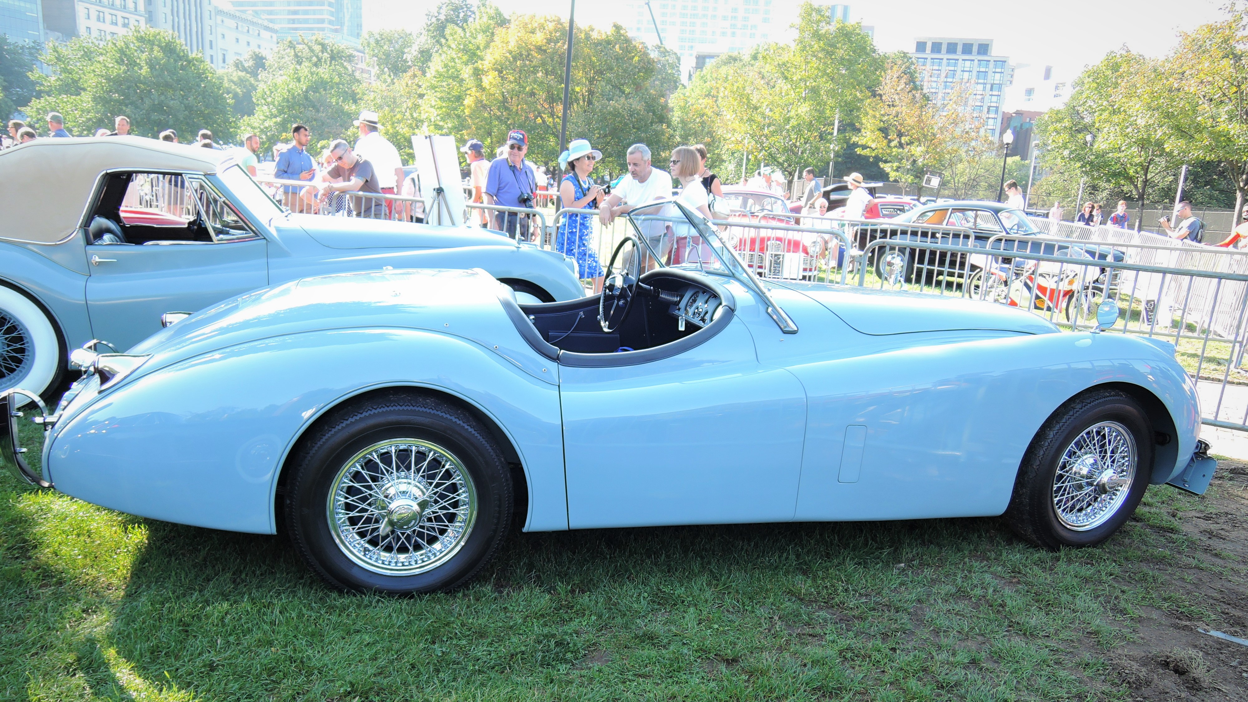 blue Jaguar XK 120 - The Boston Cup 2017