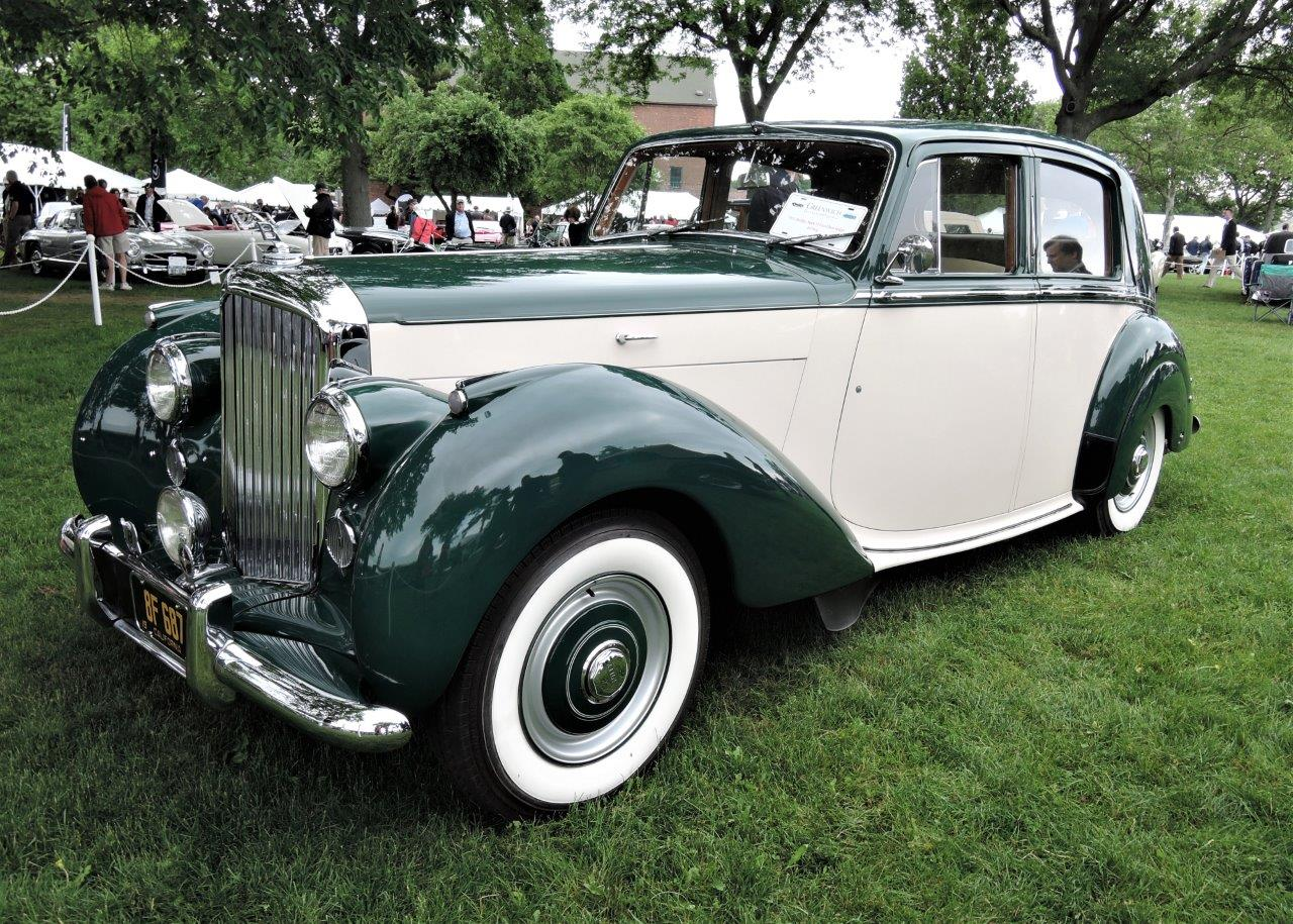 green/white 1951 Bentley Mark VI Four-Door Sedan - 2018 Greenwich Concours International